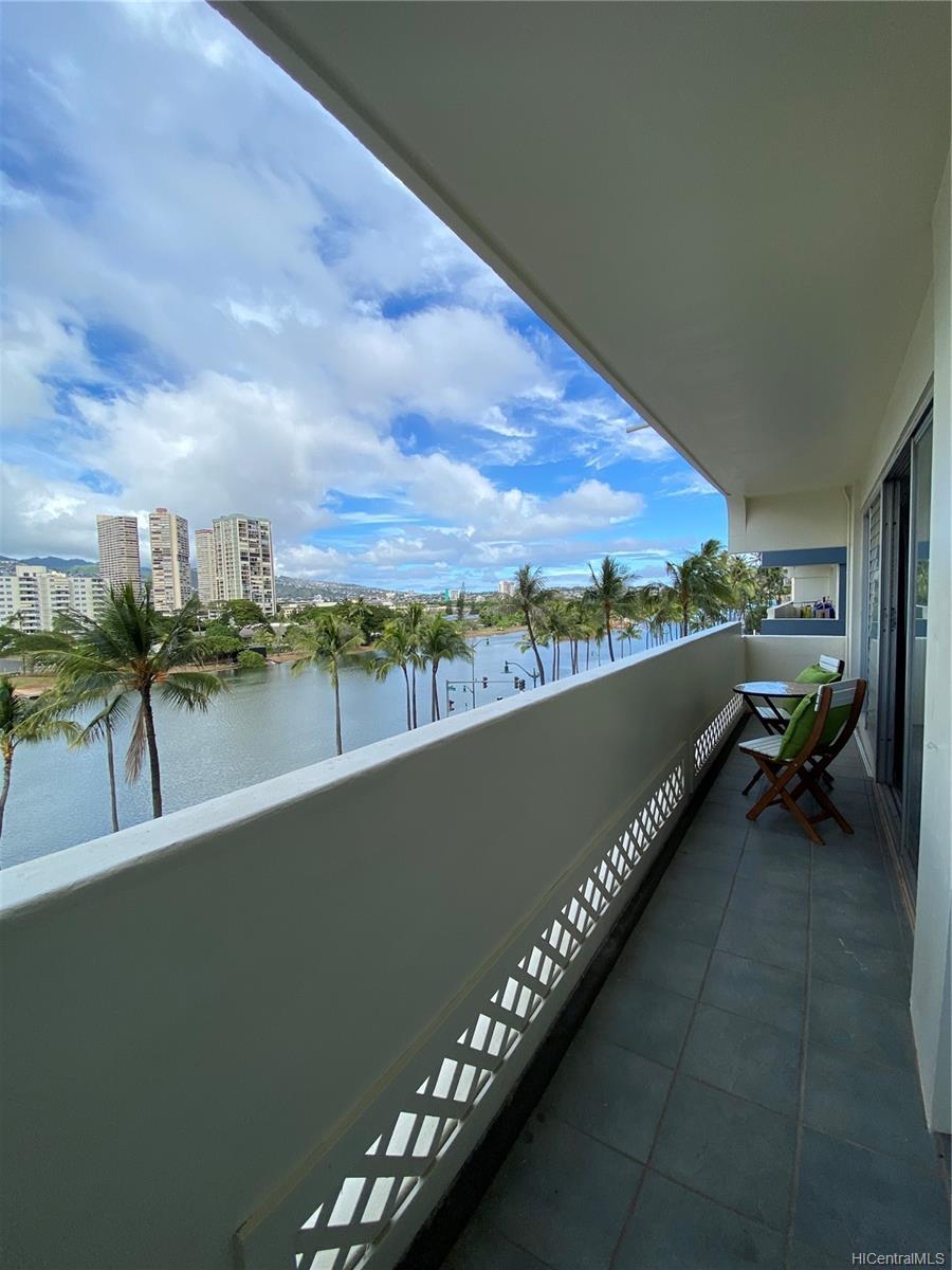 Twin Towers The condo # B53, Honolulu, Hawaii - photo 4 of 18