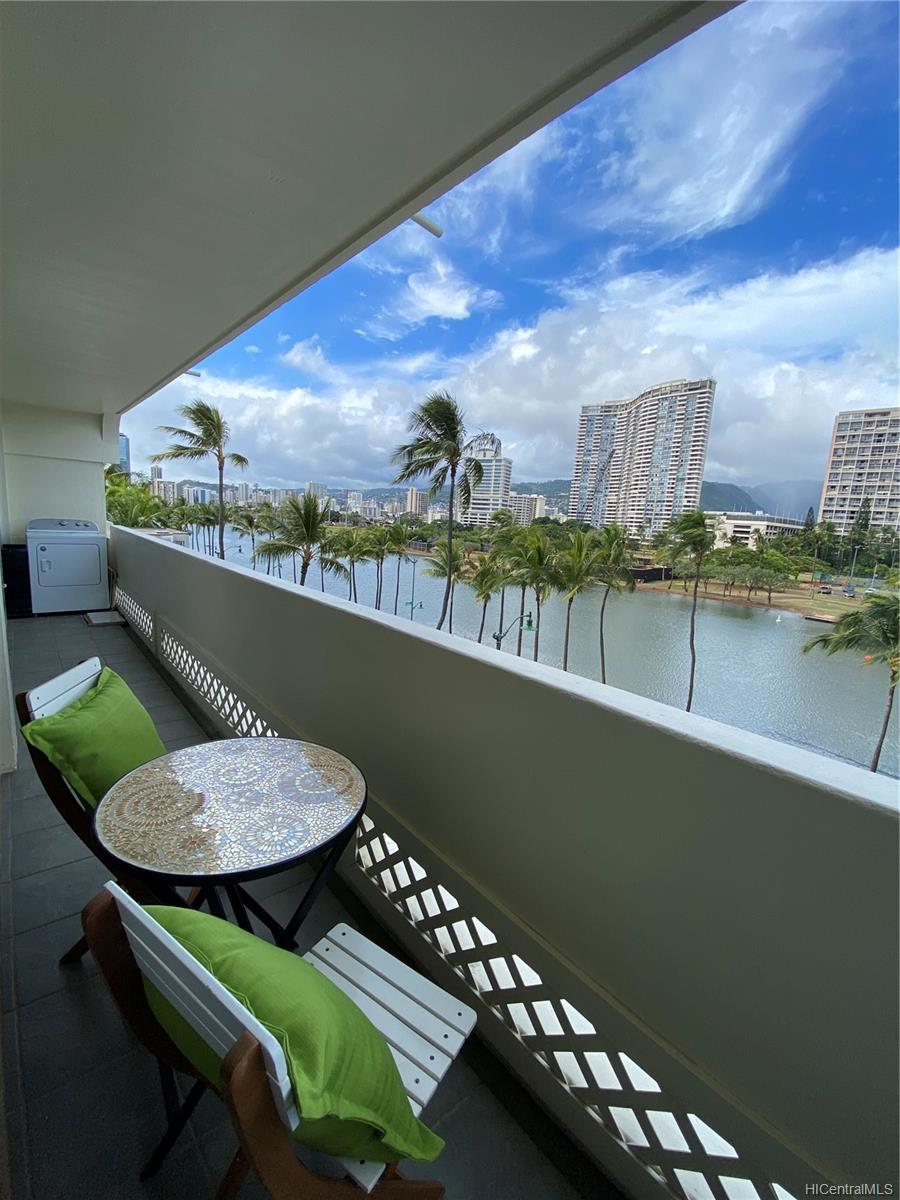 Twin Towers The condo # B53, Honolulu, Hawaii - photo 5 of 18