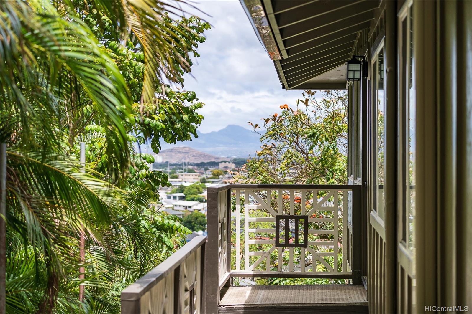 2119  Hillcrest Street Kamehameha Heights, Honolulu home - photo 1 of 25