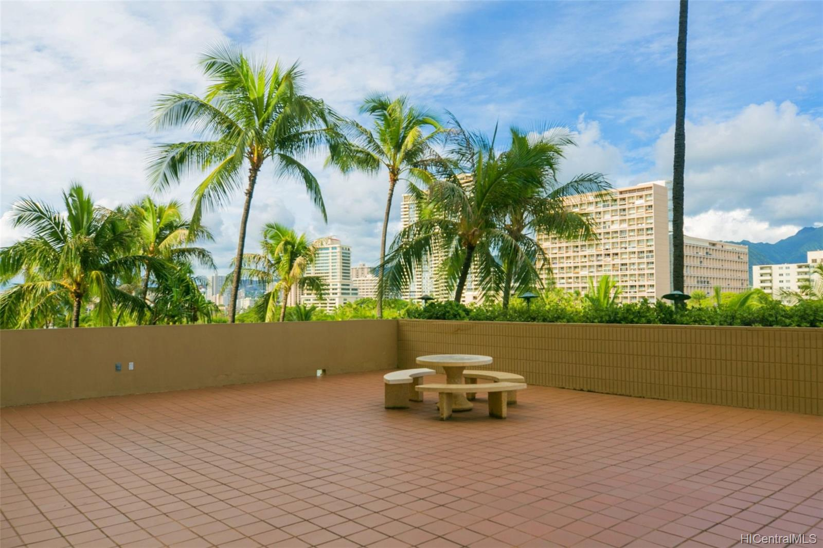 2121 Ala Wai condo # 1503, Honolulu, Hawaii - photo 21 of 25