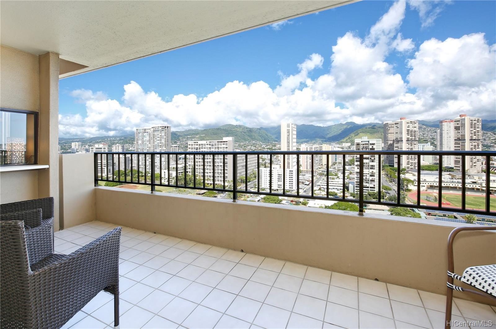 2121 Ala Wai Blvd Honolulu - Rental - photo 6 of 16