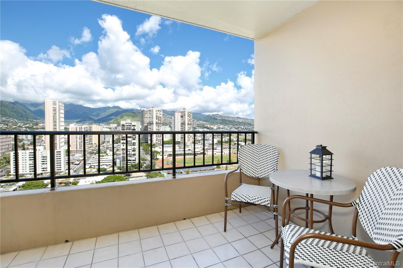 2121 Ala Wai Blvd Honolulu - Rental - photo 7 of 16