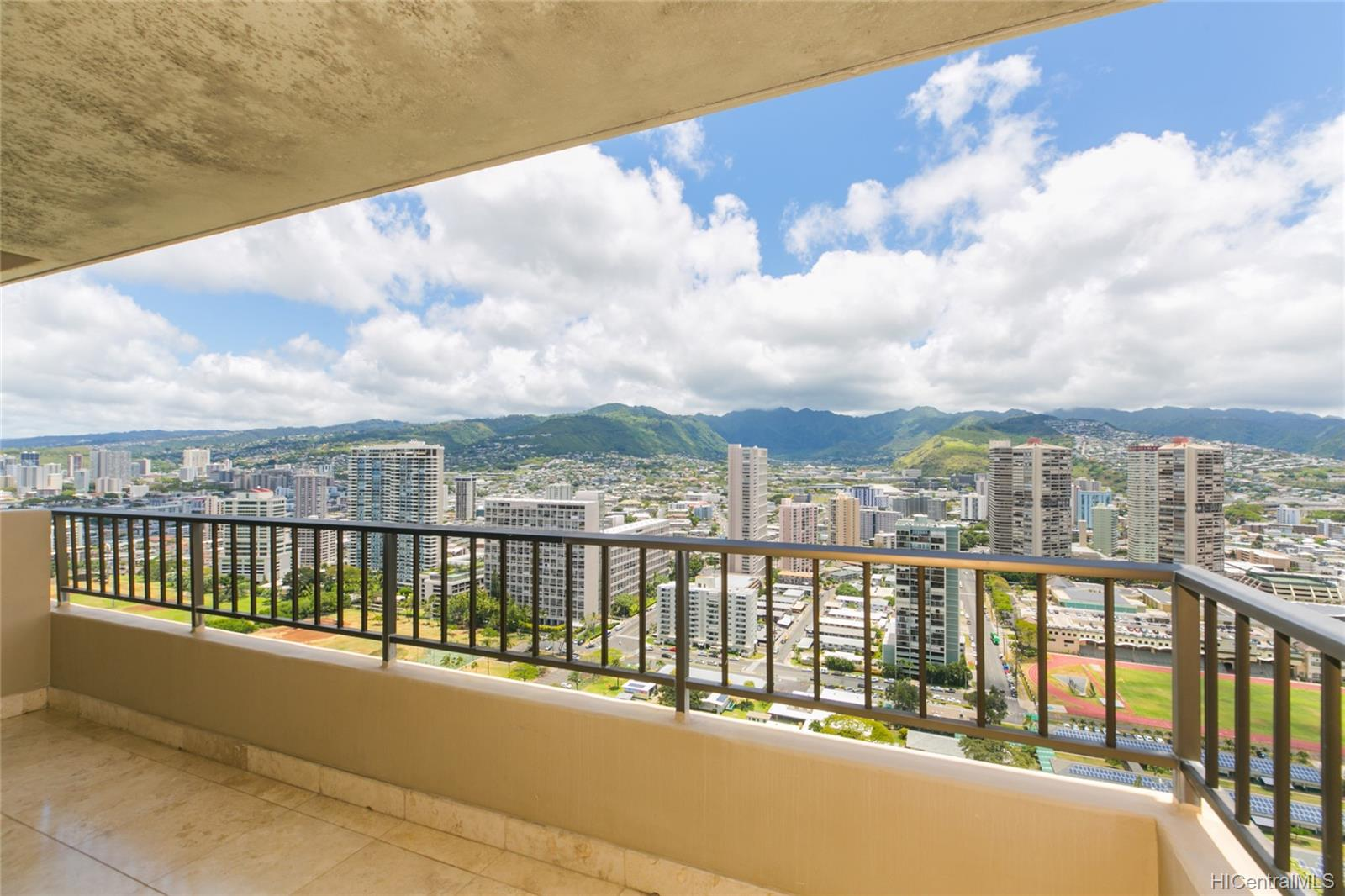 2121 Ala Wai condo # 3706, Honolulu, Hawaii - photo 3 of 25