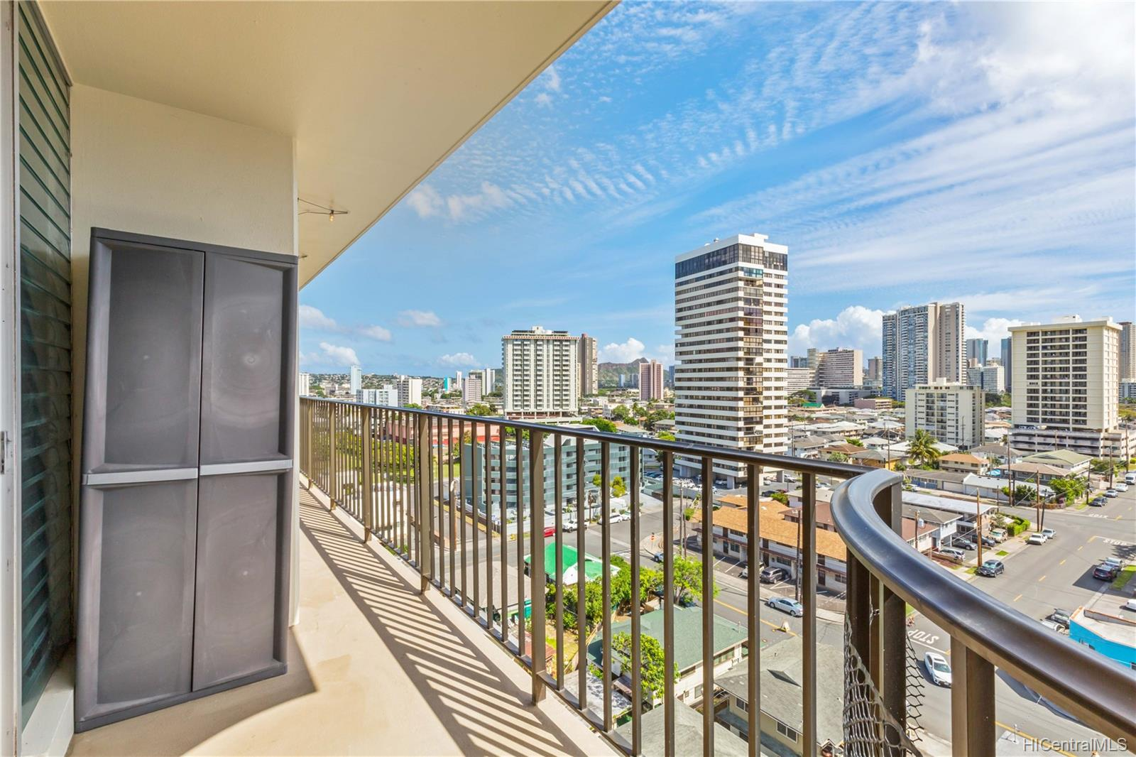 McCully Villa condo # 1008, Honolulu, Hawaii - photo 15 of 19