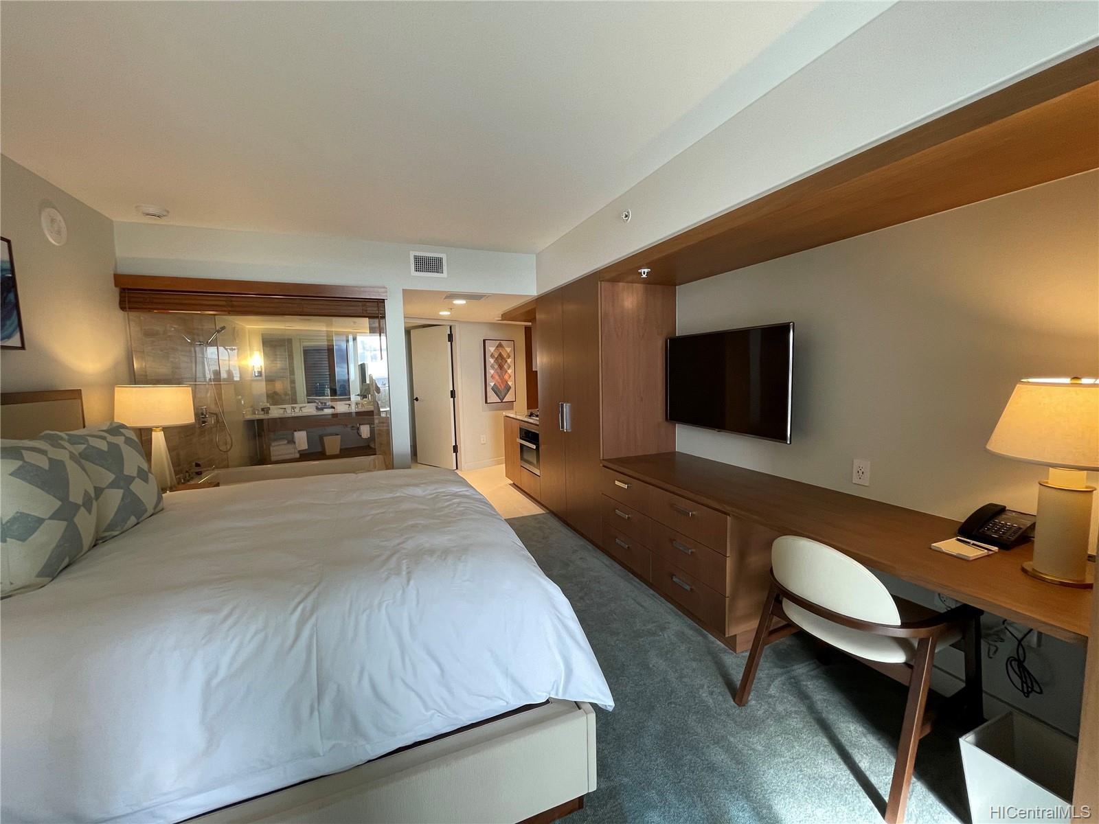 The Ritz-Carlton Residences condo # 1202, Honolulu, Hawaii - photo 6 of 16