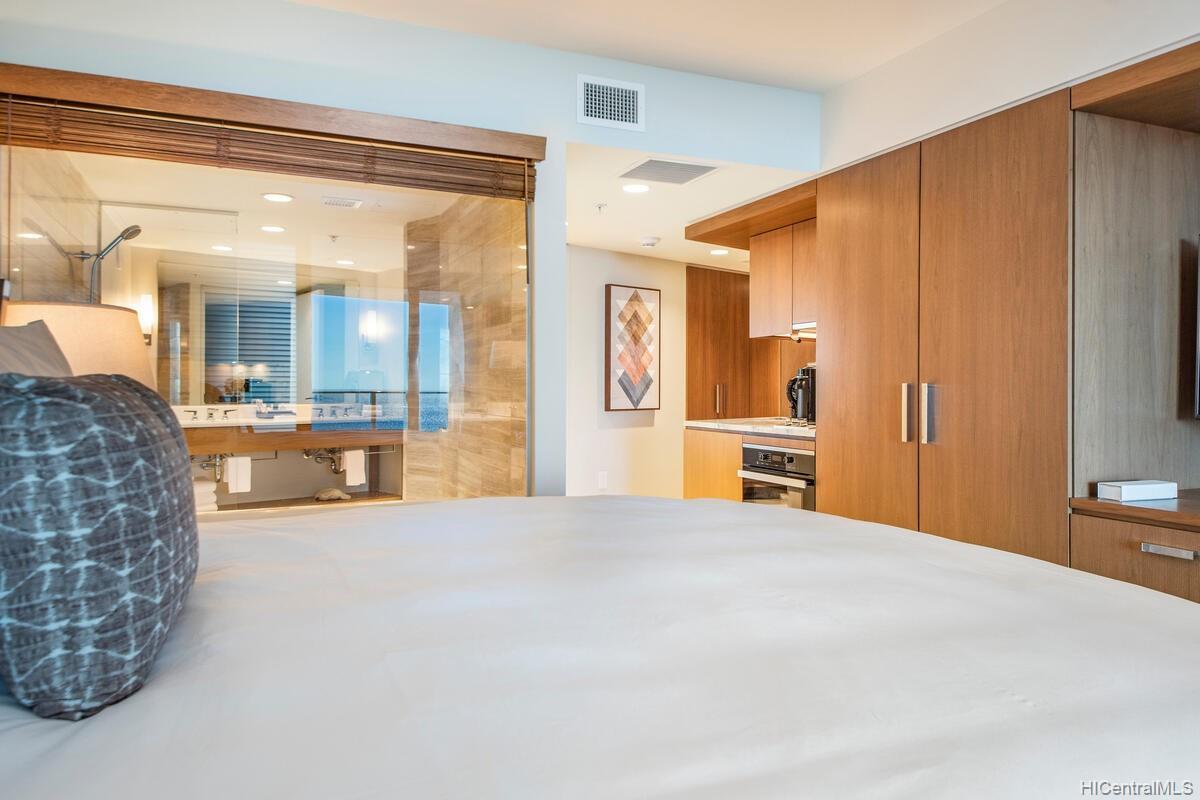 The Ritz-Carlton Residences condo # 2402, Honolulu, Hawaii - photo 11 of 25