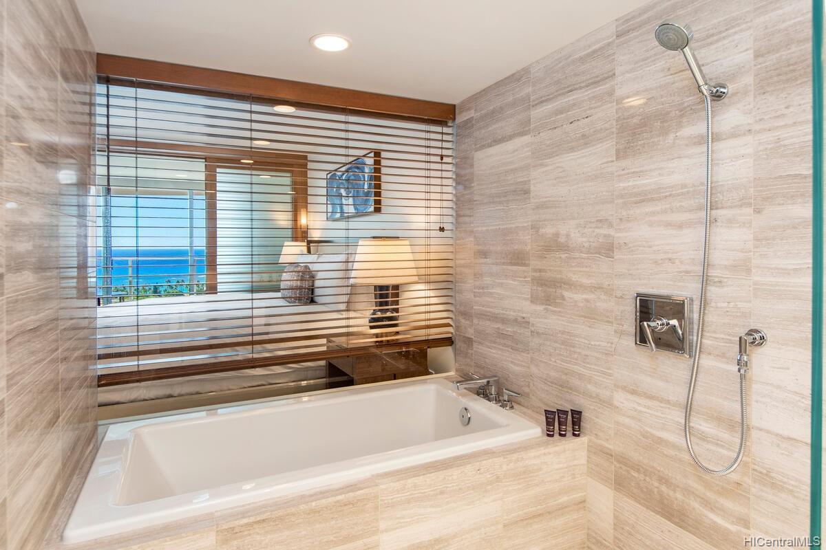 The Ritz-Carlton Residences condo # 2402, Honolulu, Hawaii - photo 12 of 25