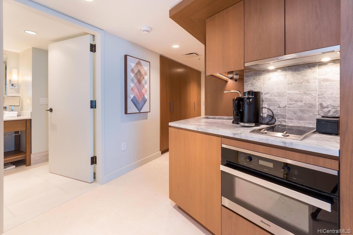The Ritz-Carlton Residences condo # 2402, Honolulu, Hawaii - photo 16 of 25
