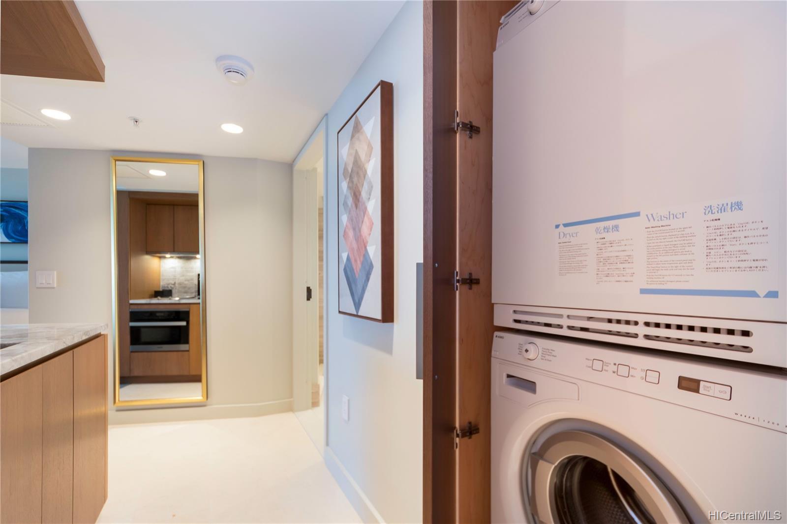 The Ritz-Carlton Residences condo # 2402, Honolulu, Hawaii - photo 17 of 25