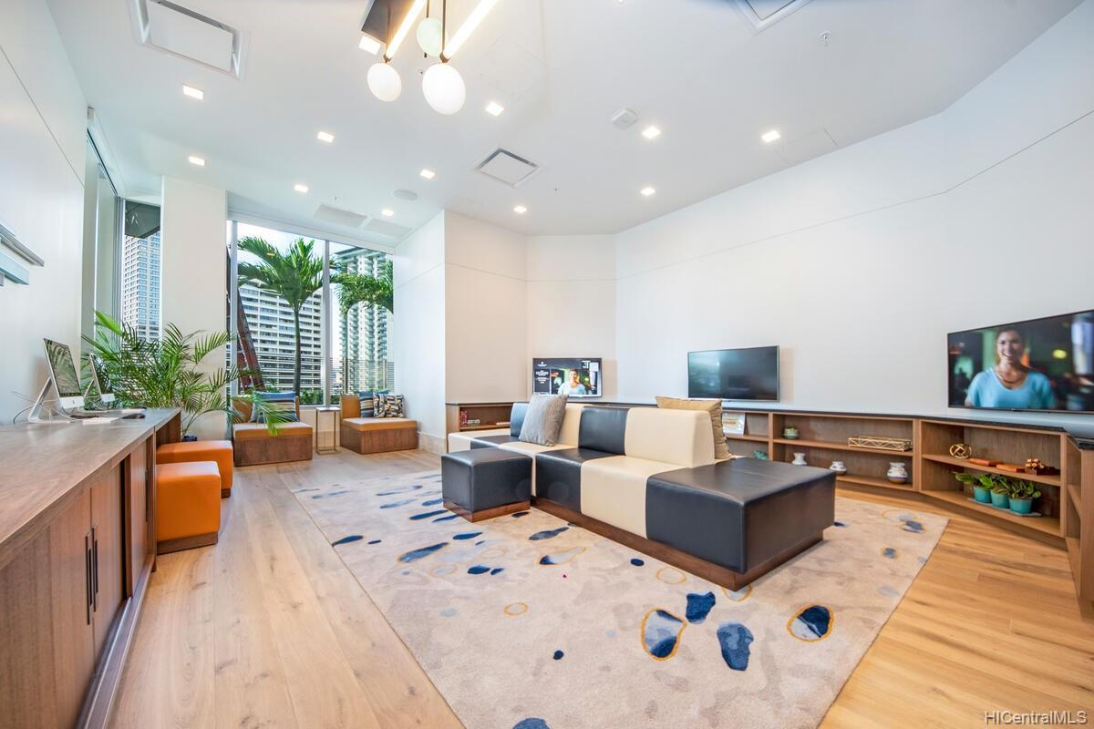 The Ritz-Carlton Residences condo # 2402, Honolulu, Hawaii - photo 23 of 25