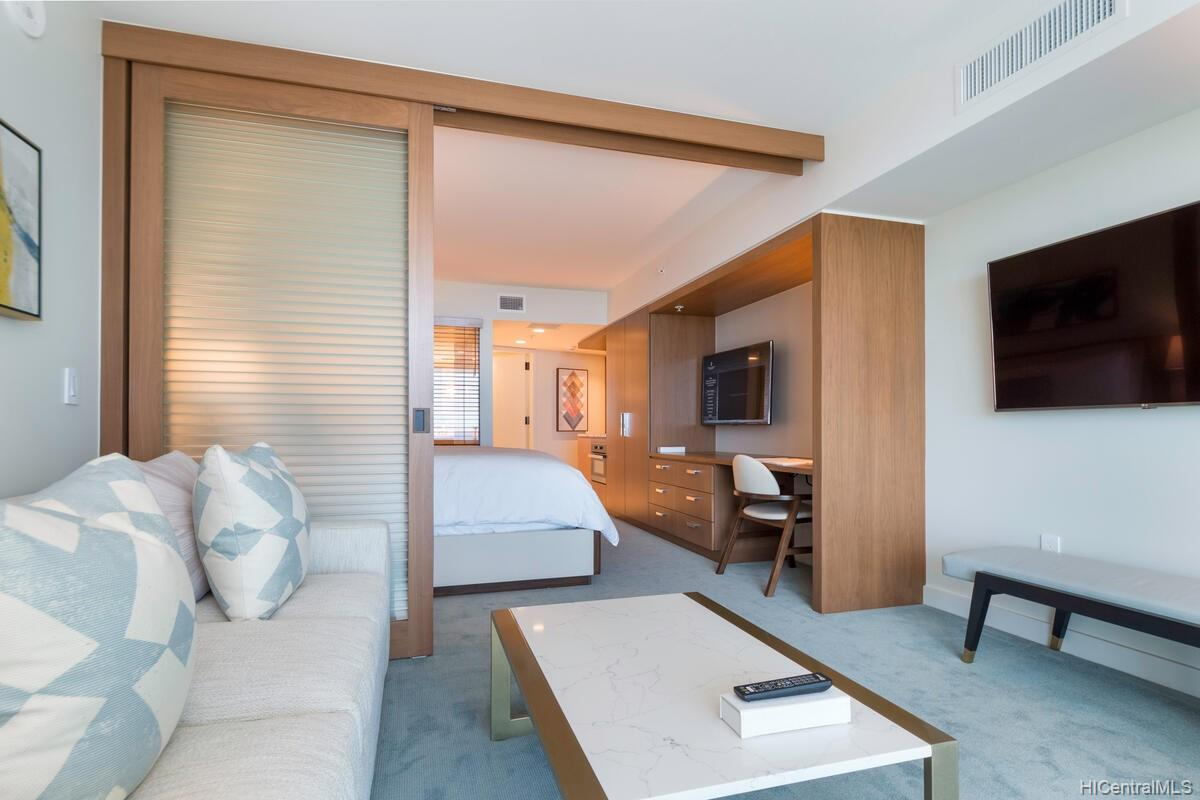 The Ritz-Carlton Residences condo # 2402, Honolulu, Hawaii - photo 6 of 25