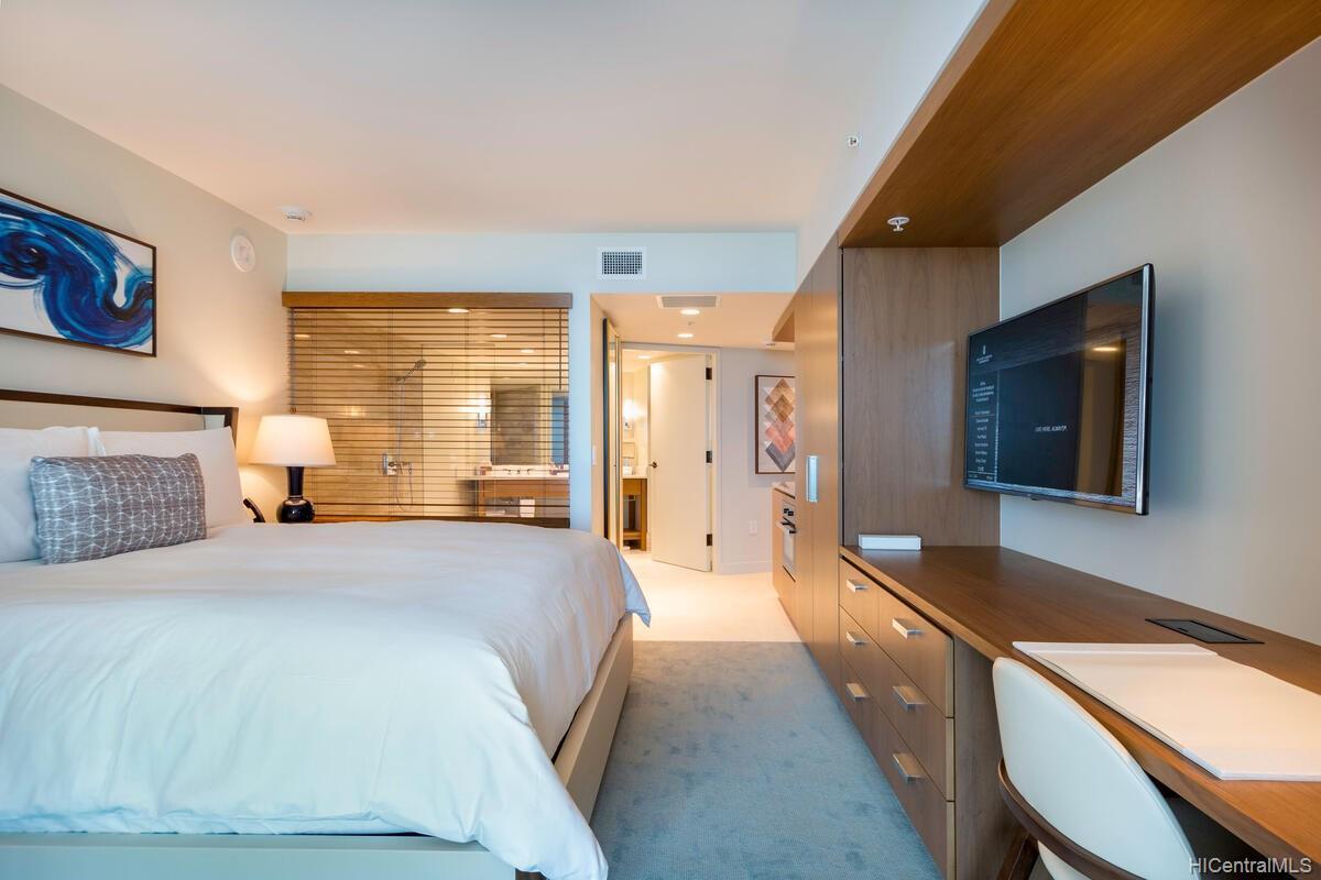 The Ritz-Carlton Residences condo # 2402, Honolulu, Hawaii - photo 7 of 25