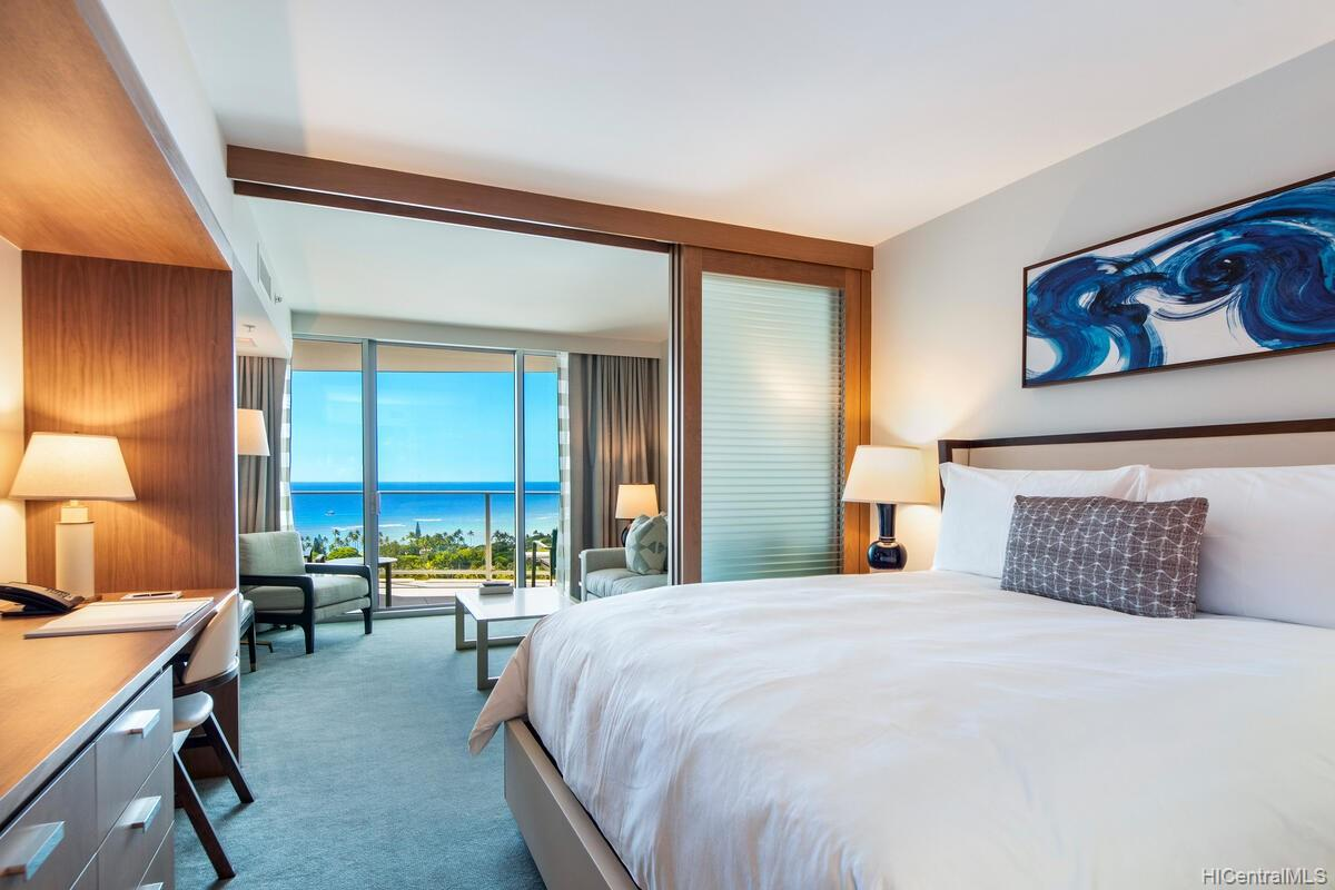 The Ritz-Carlton Residences condo # 2402, Honolulu, Hawaii - photo 8 of 25