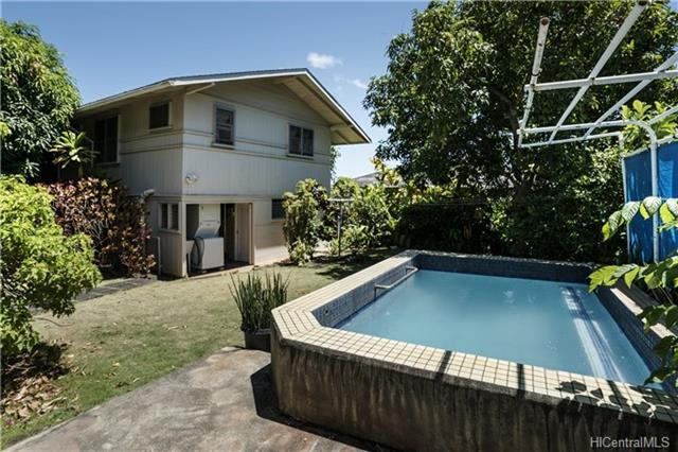 2140 Bachelot St Honolulu - Multi-family - photo 1 of 24