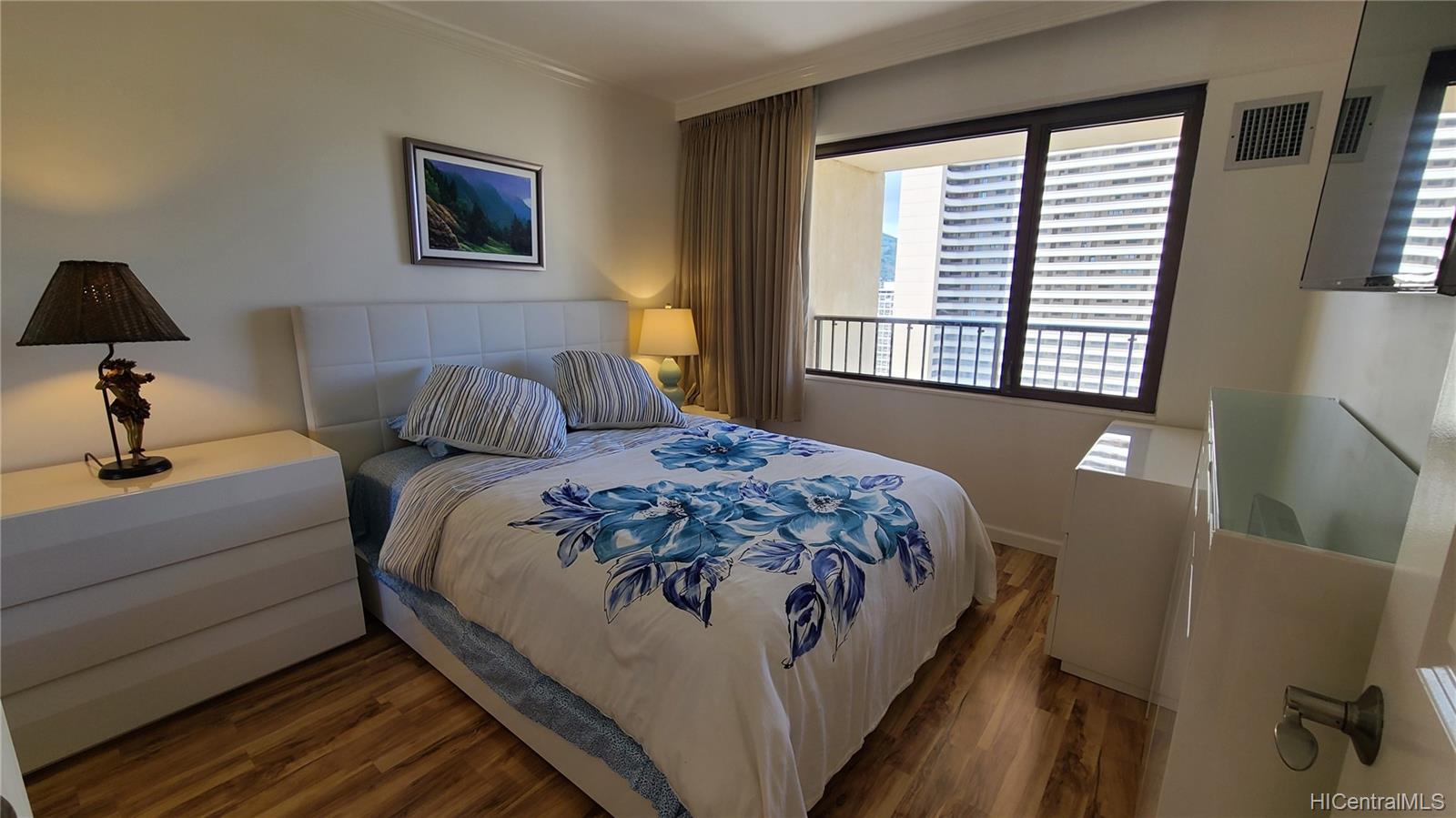 2140 Kuhio Ave Honolulu - Rental - photo 15 of 23