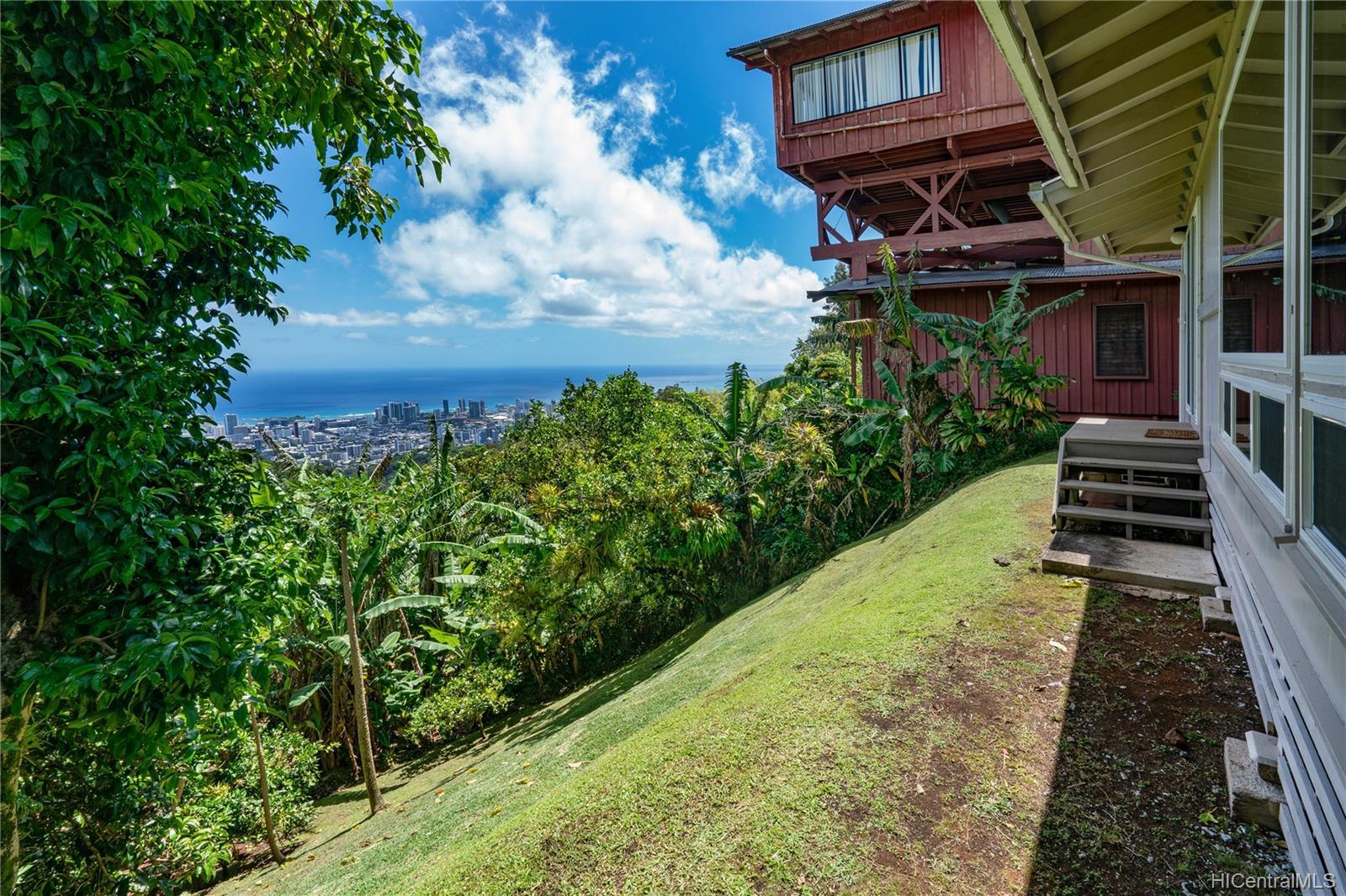 215  Forest Ridge Way Tantalus, Honolulu home - photo 14 of 22