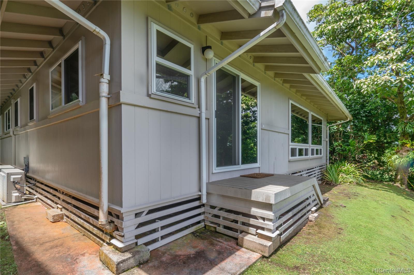 215  Forest Ridge Way Tantalus, Honolulu home - photo 15 of 22