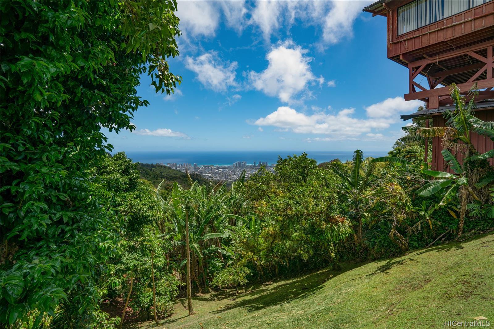 215  Forest Ridge Way Tantalus, Honolulu home - photo 16 of 22