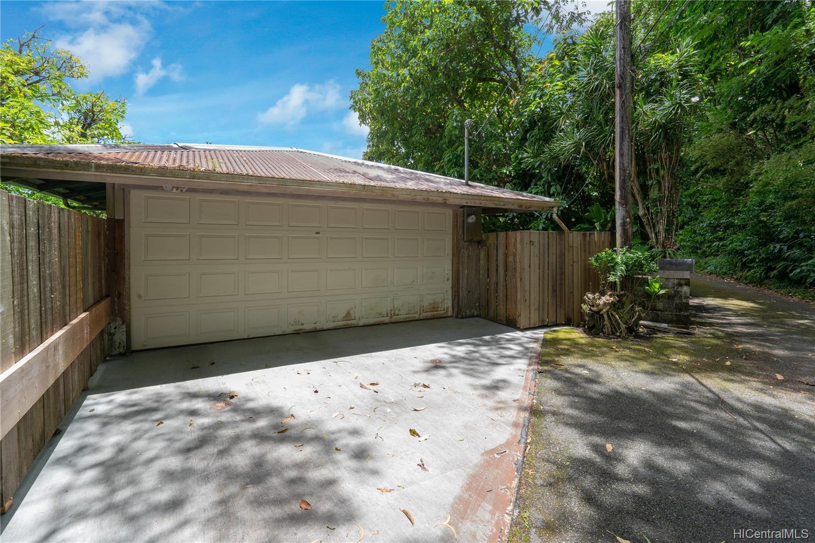 215  Forest Ridge Way Tantalus, Honolulu home - photo 18 of 22