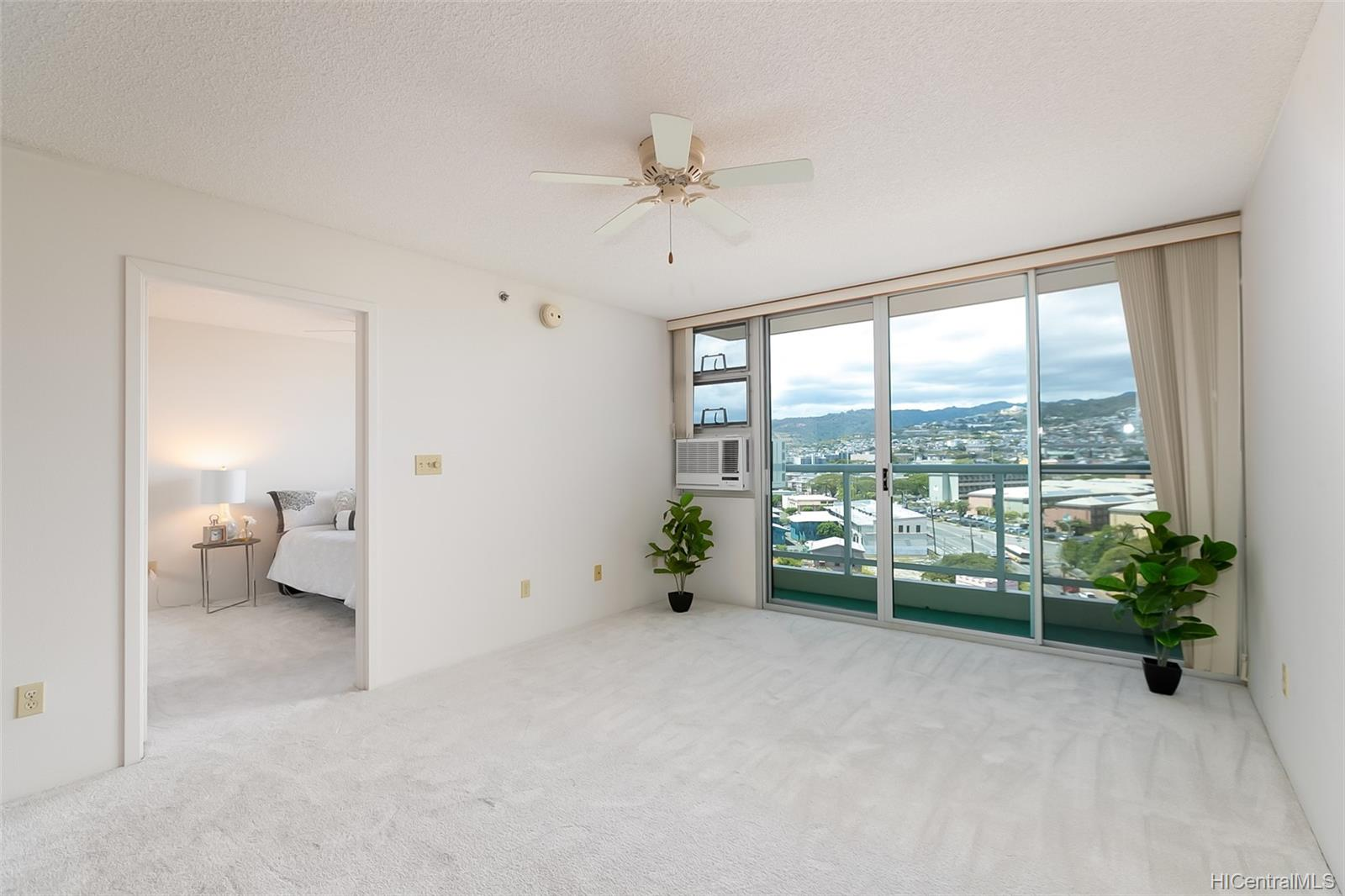 215 North King St condo # 1104, Honolulu, Hawaii - photo 2 of 18