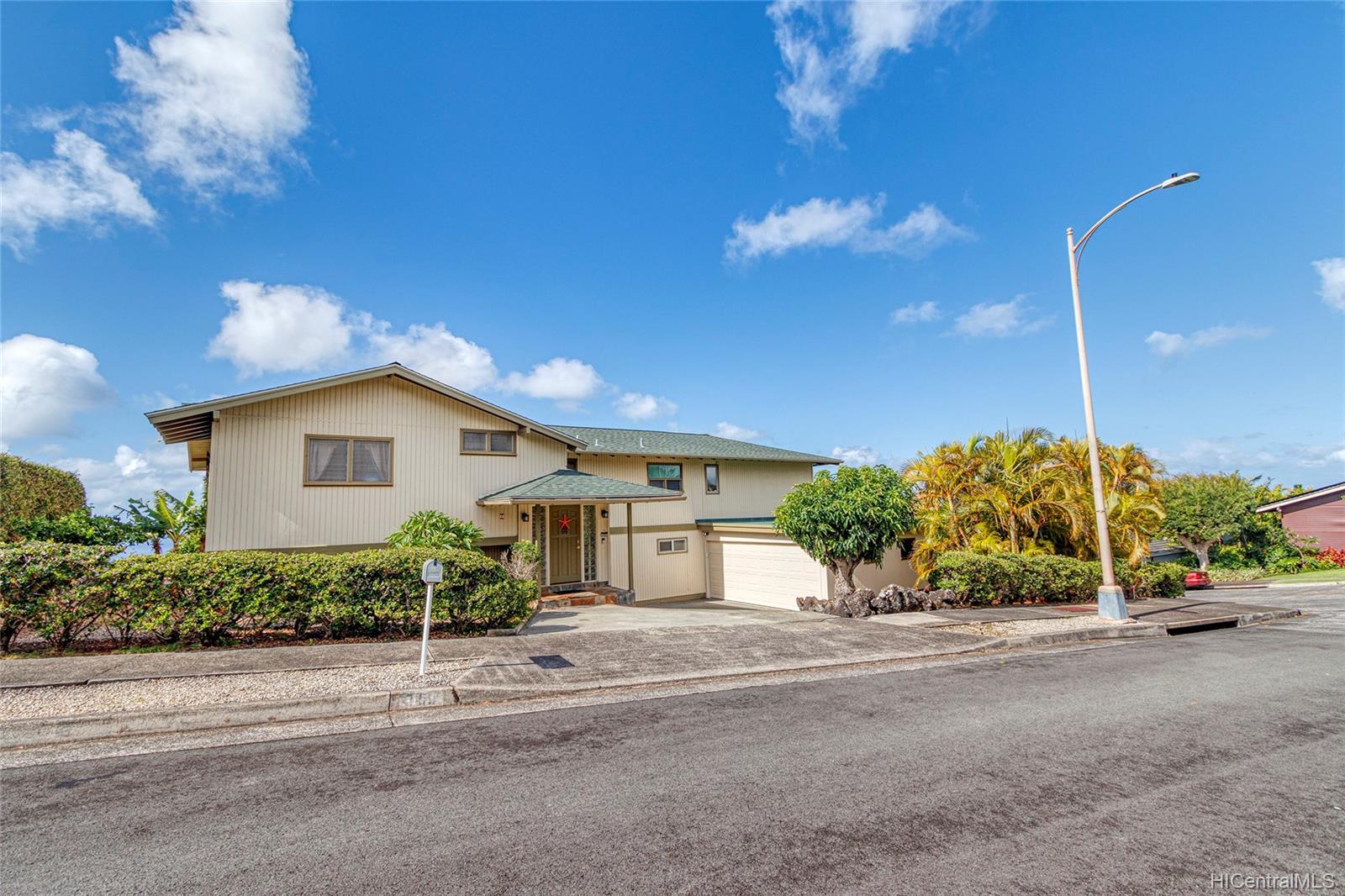 2155  Ahaku Place Waialae Nui Rdge, Diamond Head home - photo 1 of 25