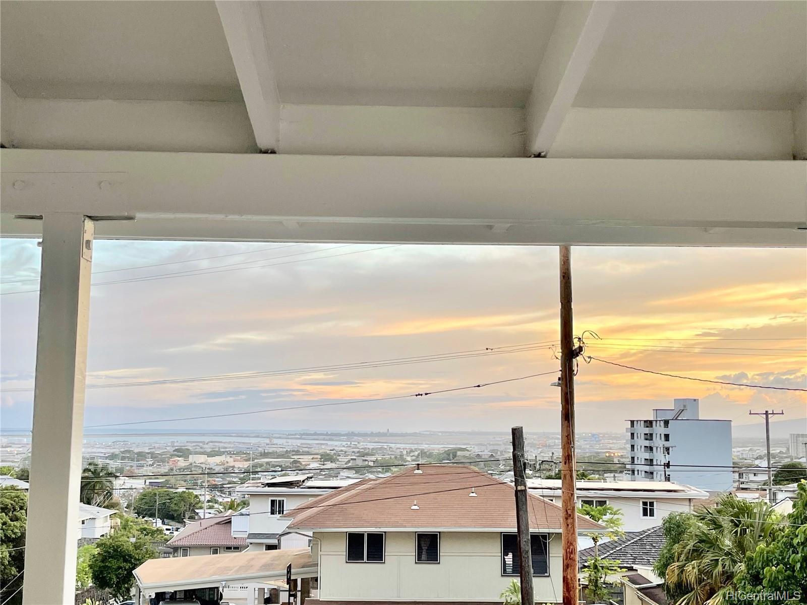 2164  Hillcrest Street Kamehameha Heights, Honolulu home - photo 16 of 25