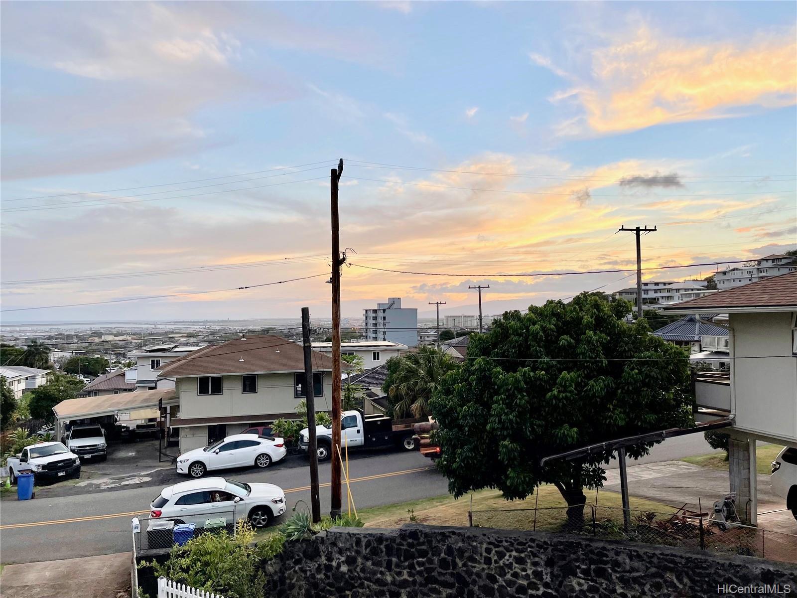 2164  Hillcrest Street Kamehameha Heights, Honolulu home - photo 18 of 25