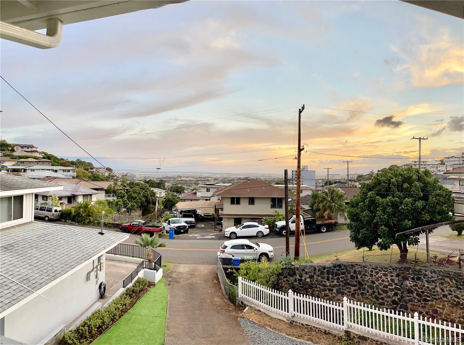 2164  Hillcrest Street Kamehameha Heights, Honolulu home - photo 20 of 25