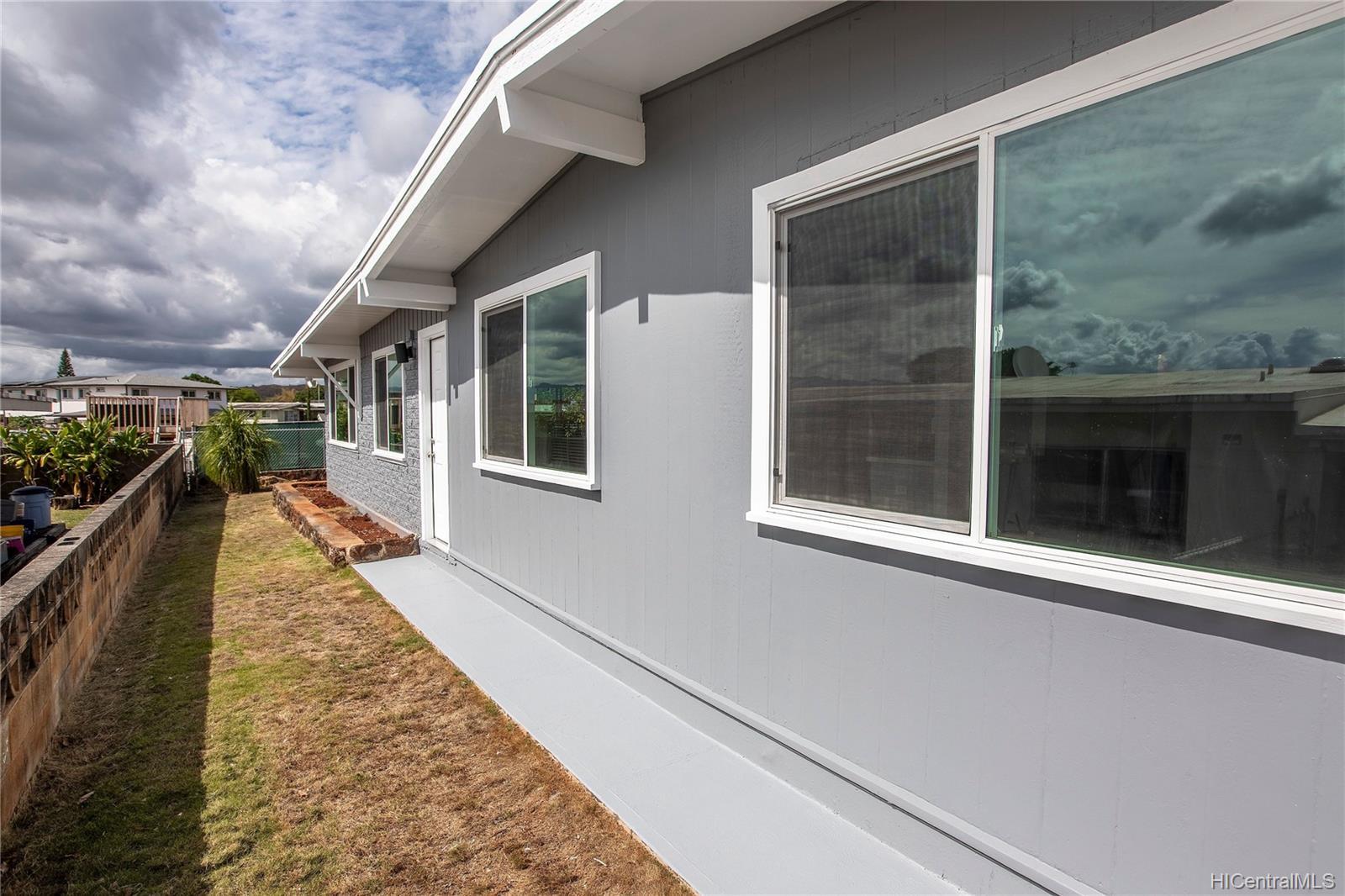 2168  Komo Mai Drive Pacific Palisades, PearlCity home - photo 20 of 25