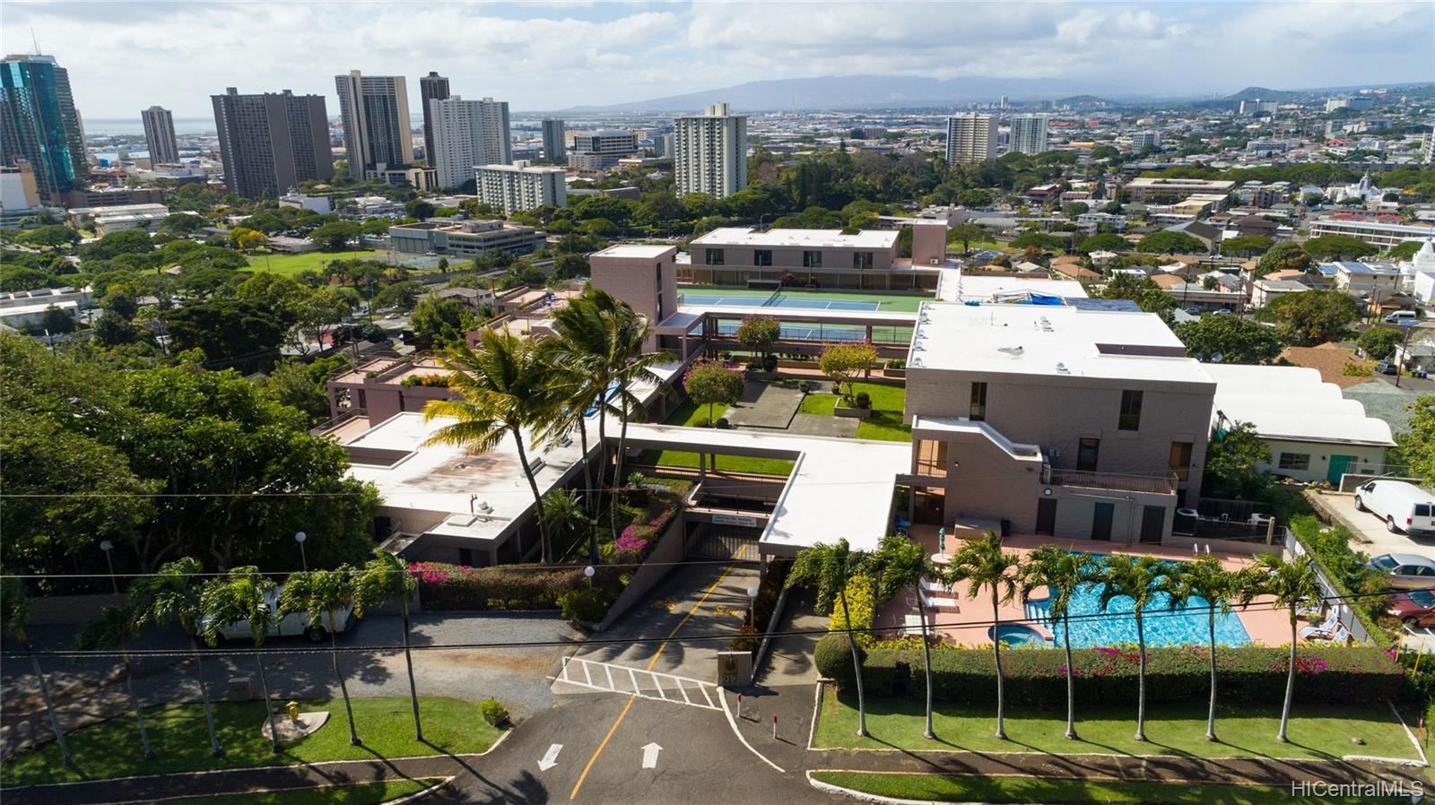 Dowsett Point condo # D10, Honolulu, Hawaii - photo 17 of 19