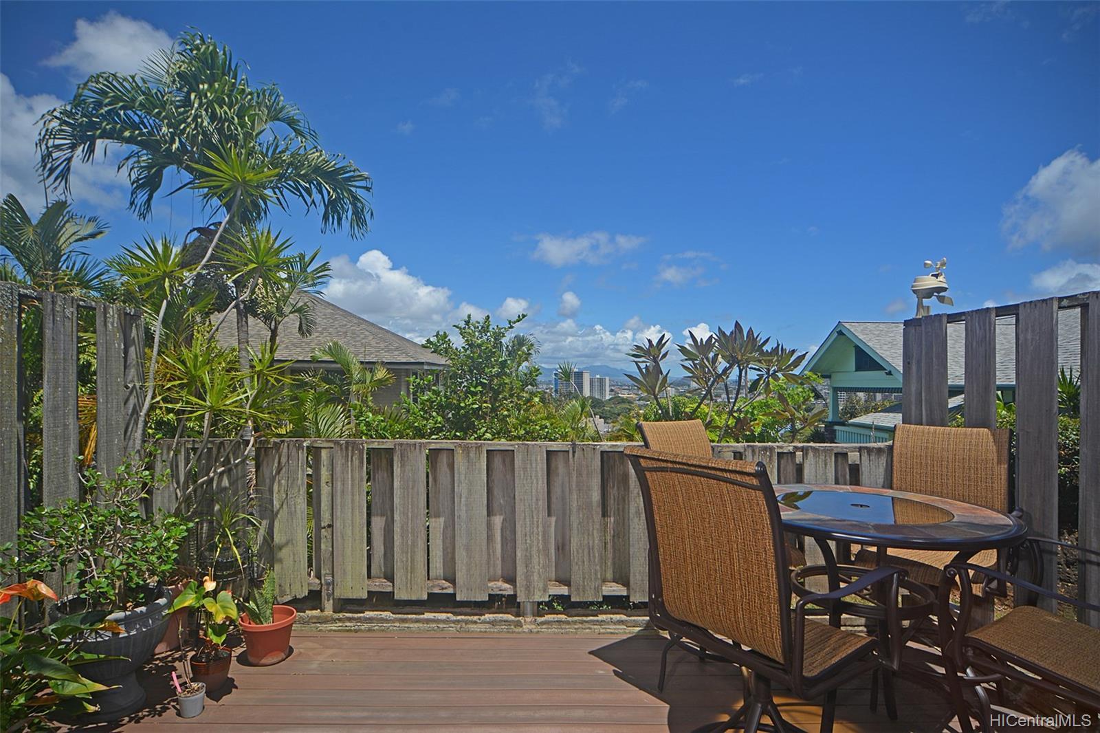 Dowsett Point condo # D12, Honolulu, Hawaii - photo 2 of 20