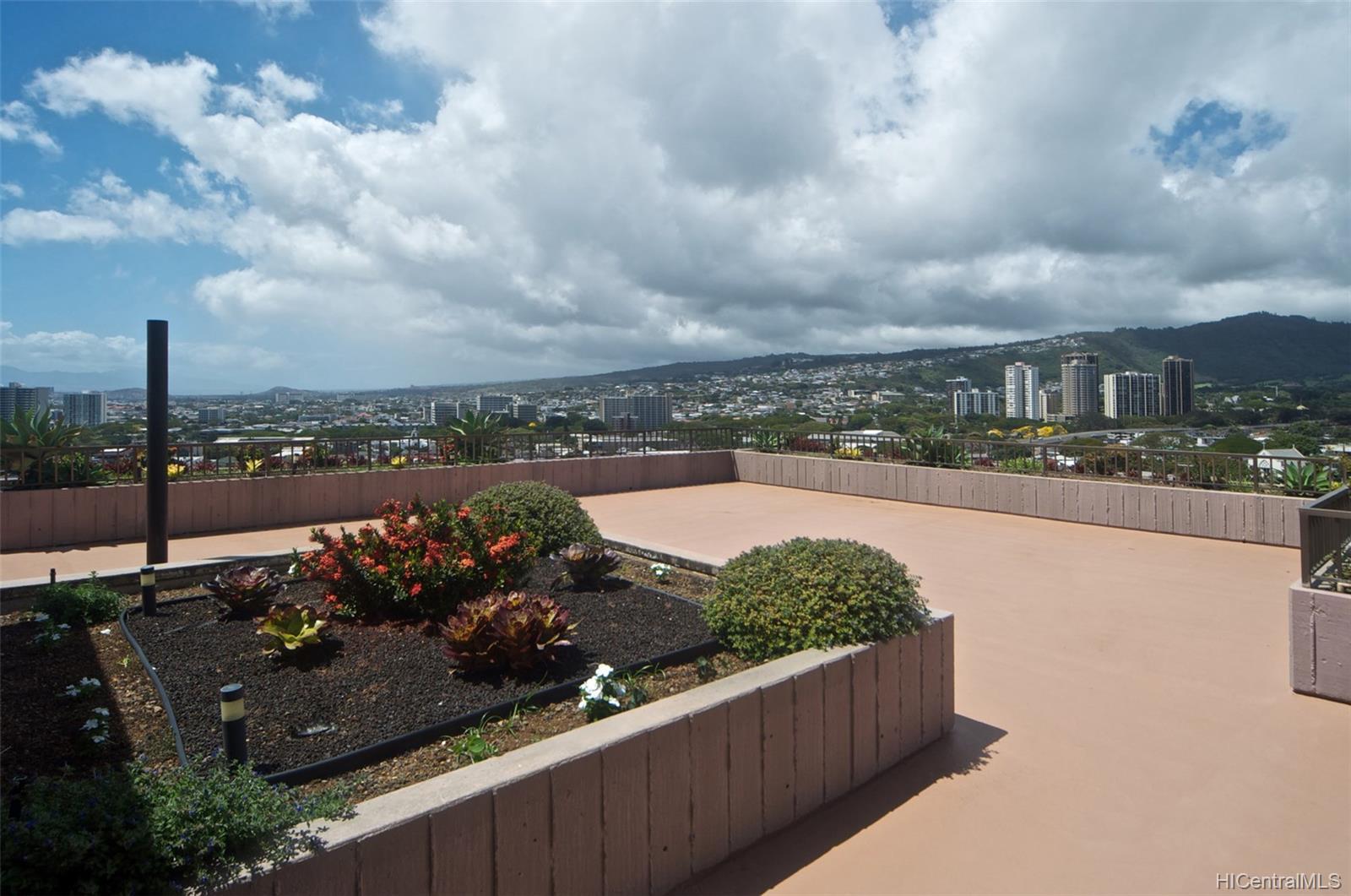 Dowsett Point condo # D12, Honolulu, Hawaii - photo 14 of 20