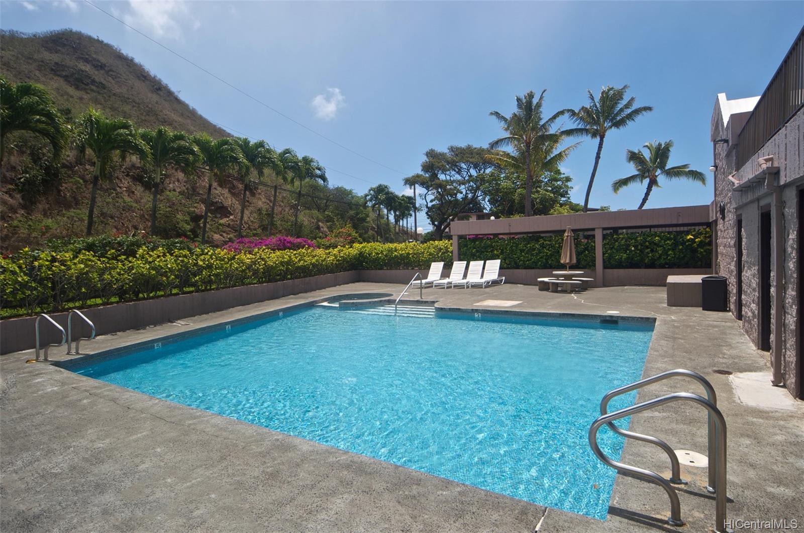 Dowsett Point condo # D12, Honolulu, Hawaii - photo 16 of 20
