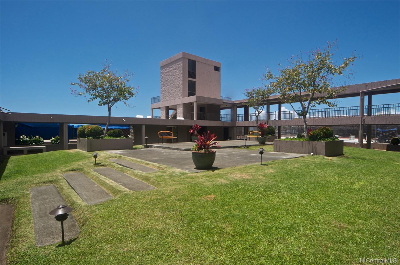 Dowsett Point condo # D12, Honolulu, Hawaii - photo 17 of 20