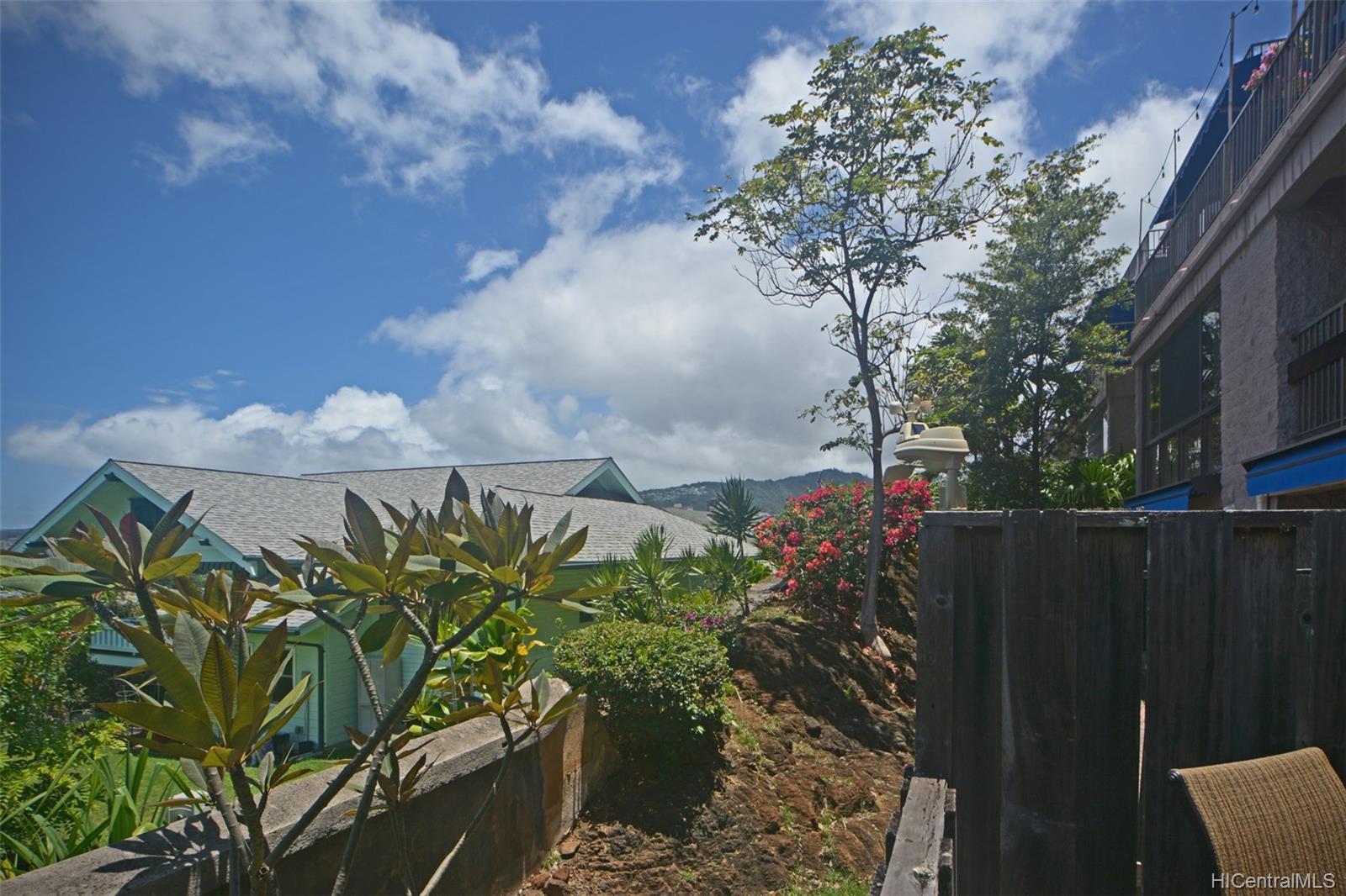 Dowsett Point condo # D12, Honolulu, Hawaii - photo 19 of 20