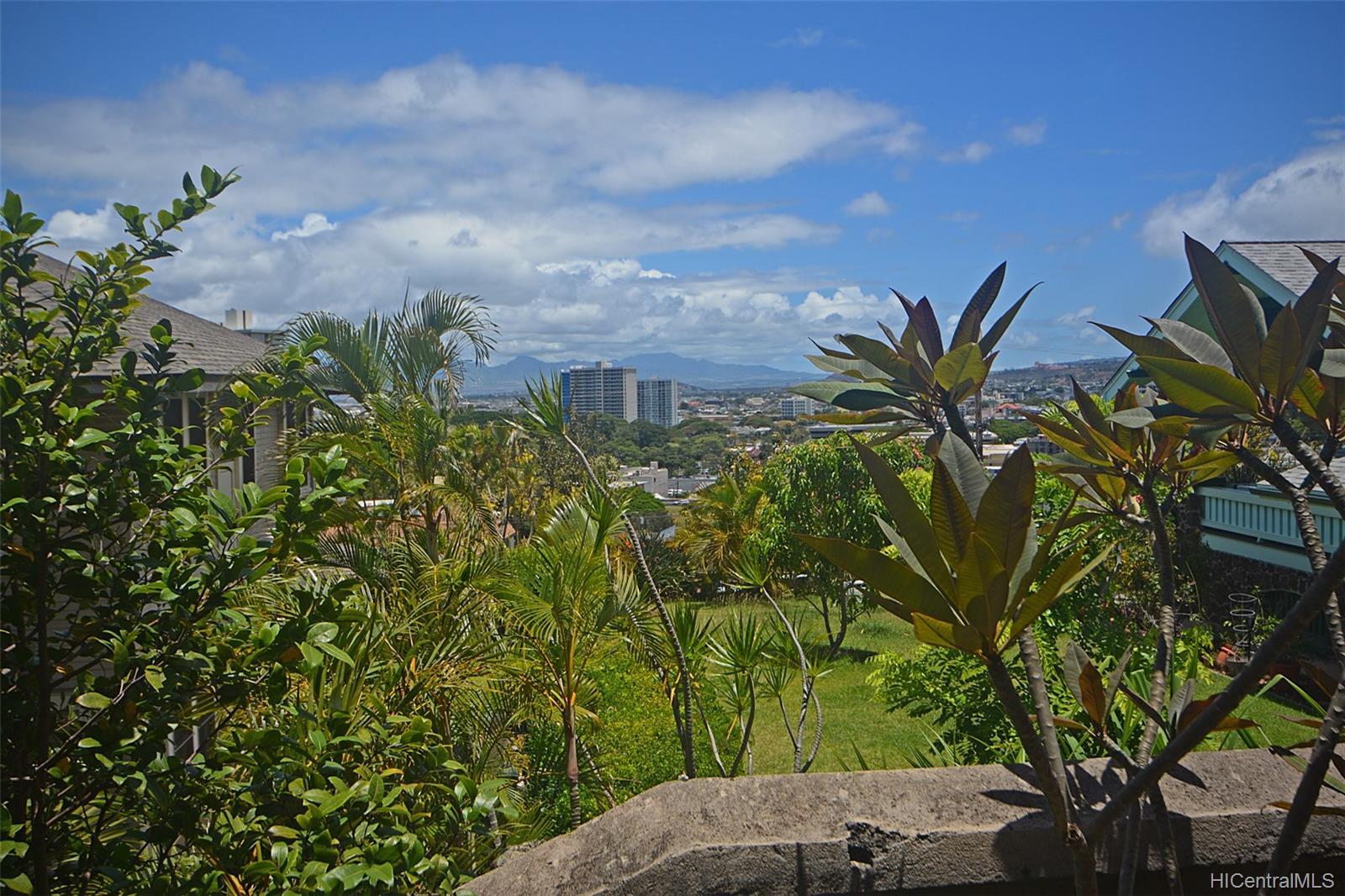 Dowsett Point condo # D12, Honolulu, Hawaii - photo 10 of 20