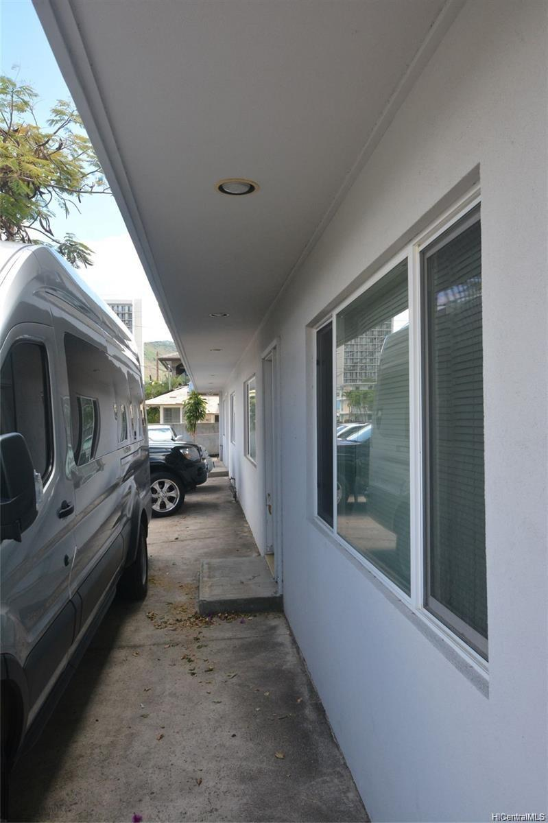 2204 Date Street Honolulu - Multi-family - photo 15 of 19