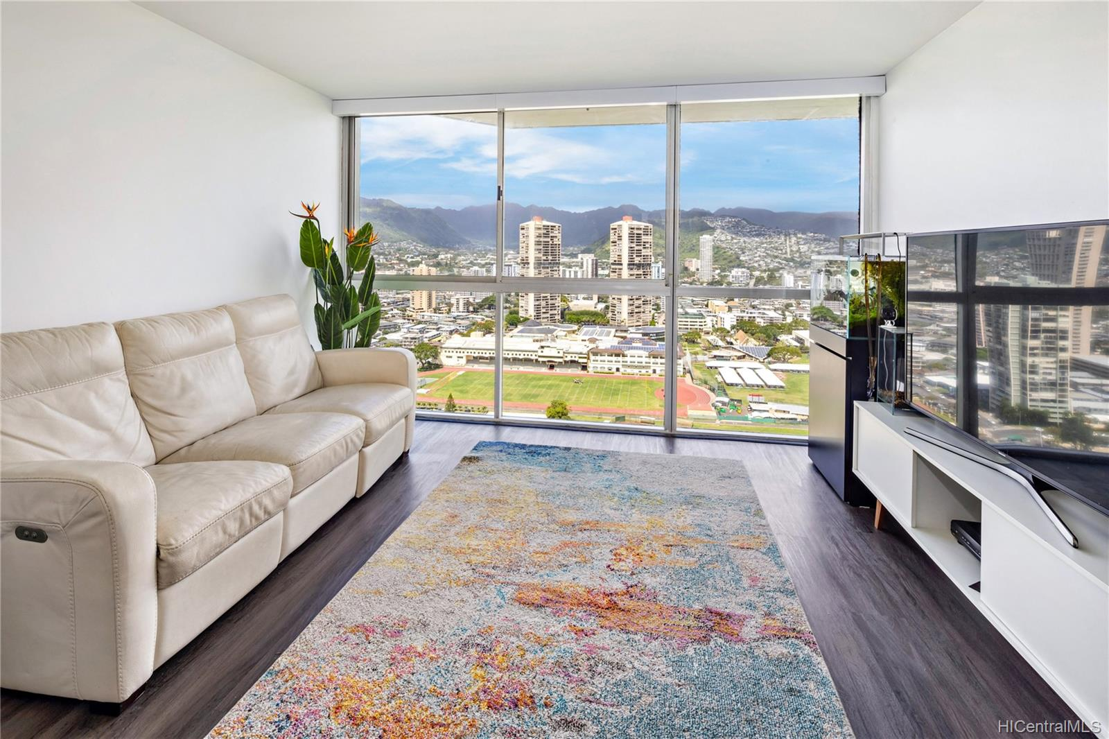 Aloha Lani condo # 3208, Honolulu, Hawaii - photo 2 of 17