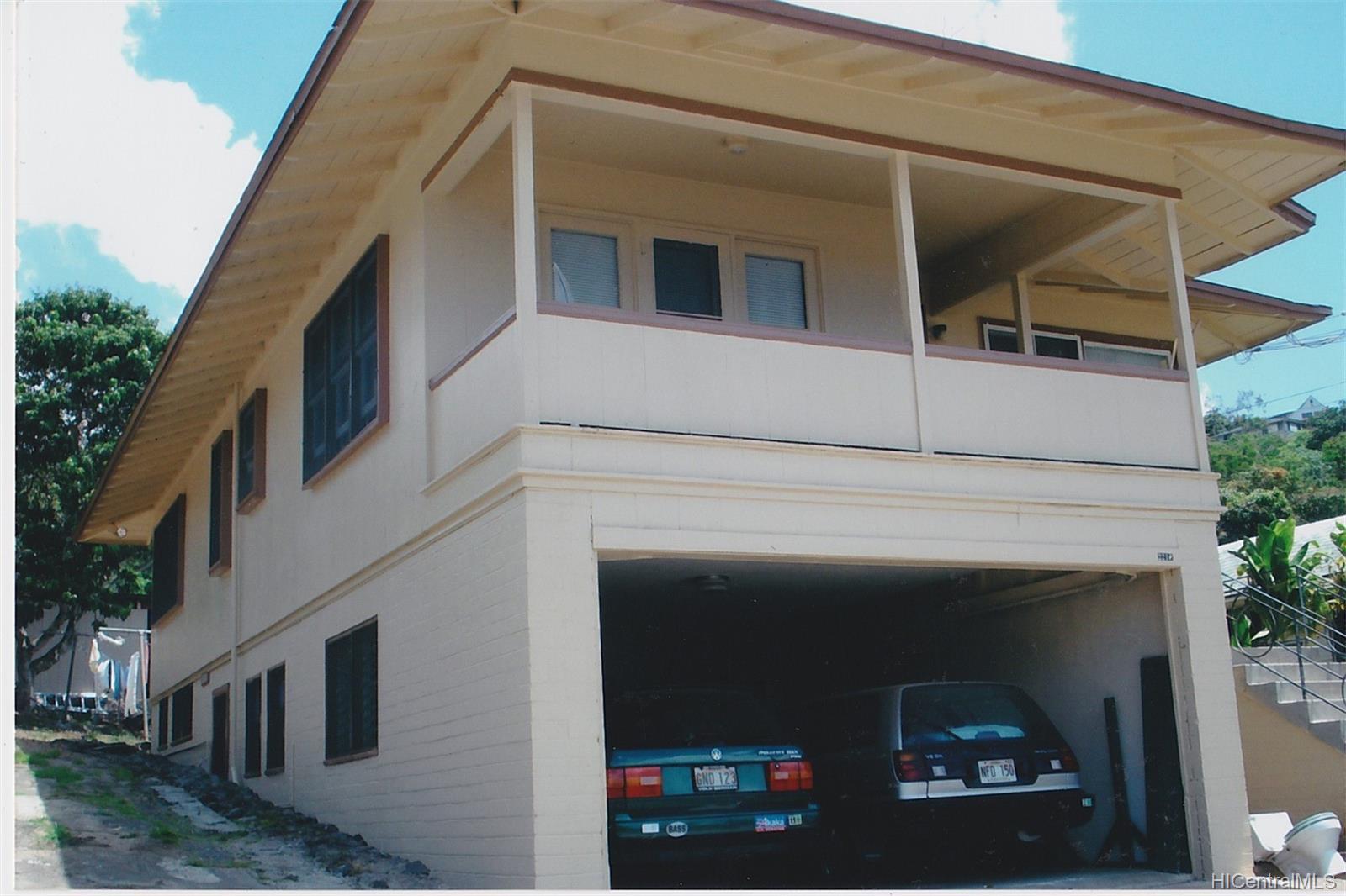 2218  Makanani Drive Kamehameha Heights, Honolulu home - photo 3 of 20