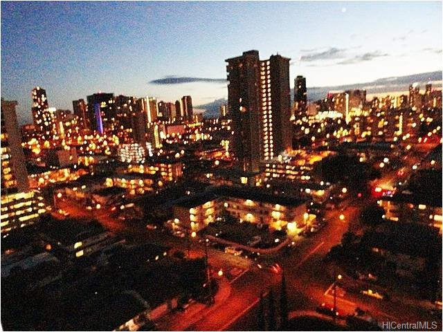 Parkside Tower condo #1703, Honolulu, Hawaii - photo 1 of 23