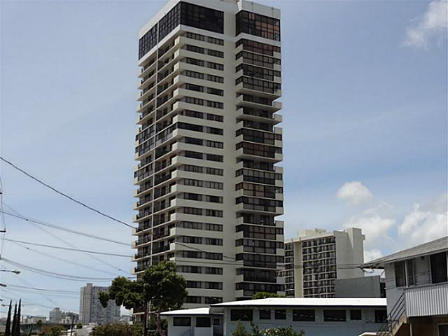 Parkside Tower condo #701, Honolulu, Hawaii - photo 1 of 8