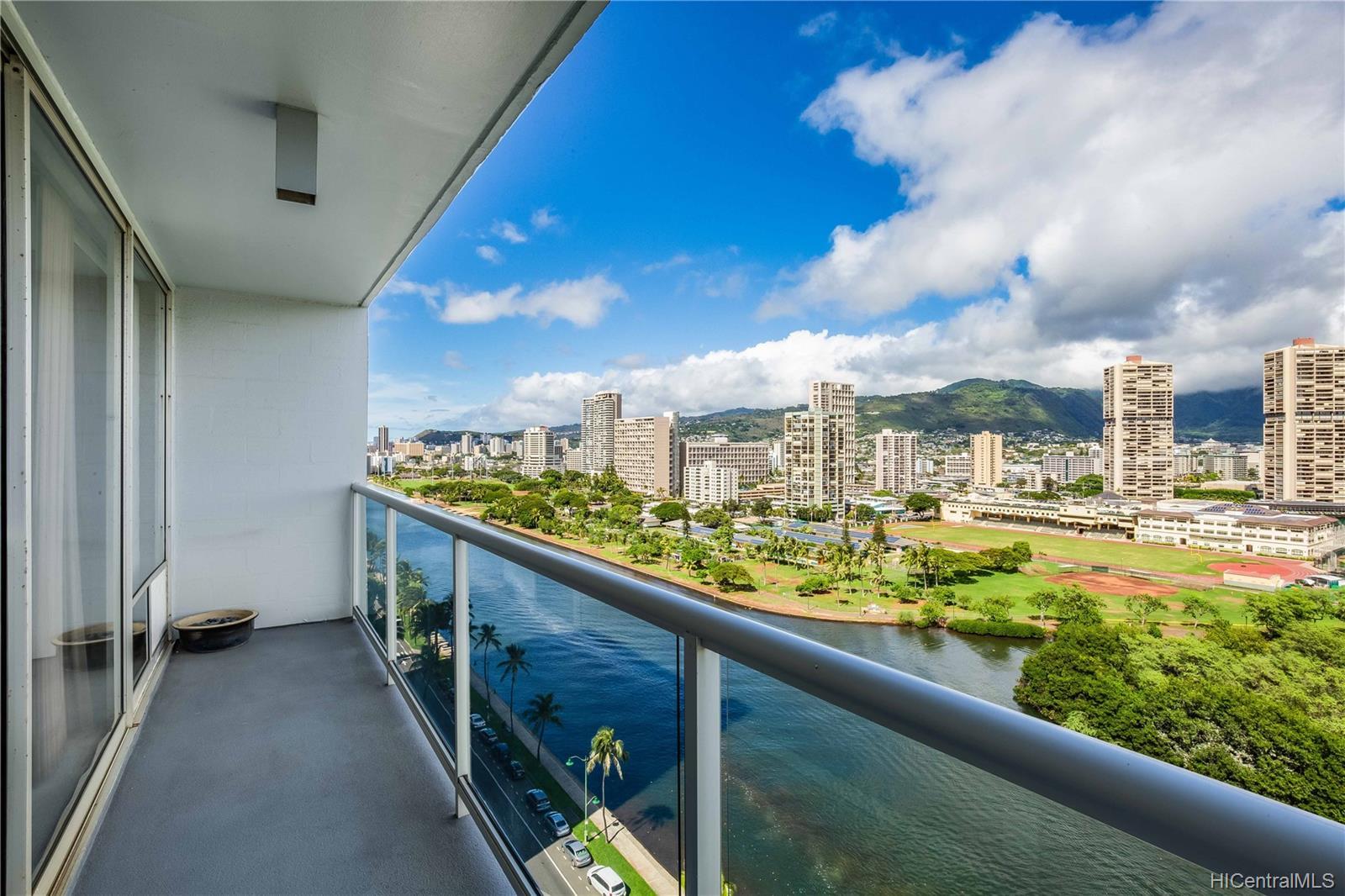 2233 Ala Wai condo # 18A, Honolulu, Hawaii - photo 16 of 20