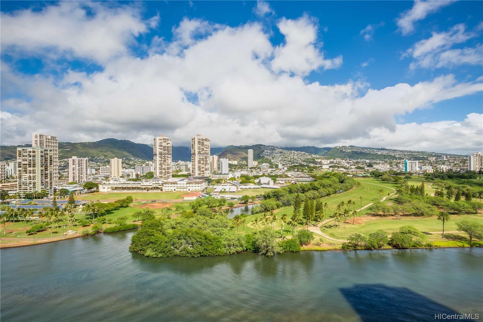2233 Ala Wai condo # 18A, Honolulu, Hawaii - photo 17 of 20