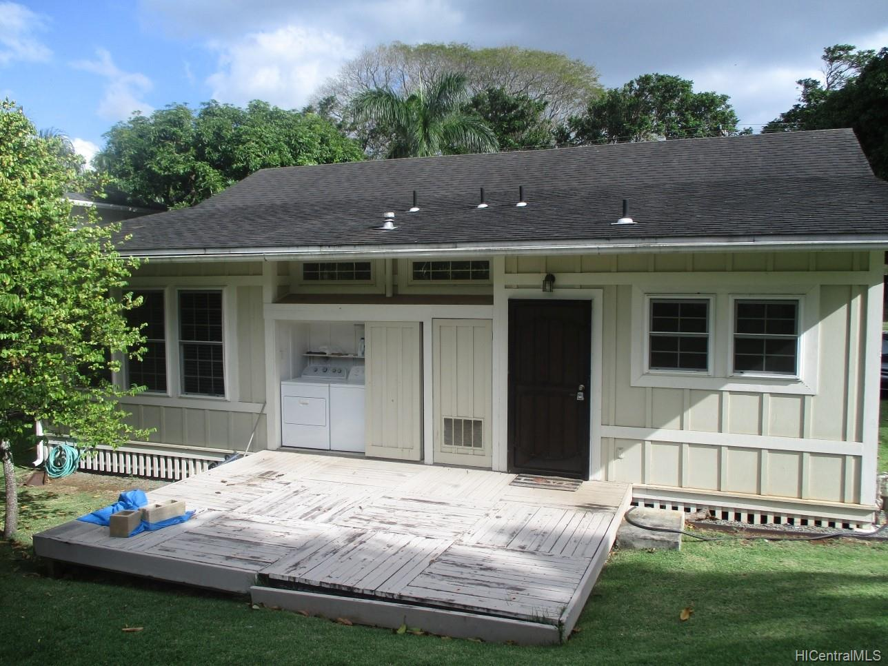 2234  University Ave Manoa Area, Honolulu home - photo 2 of 19