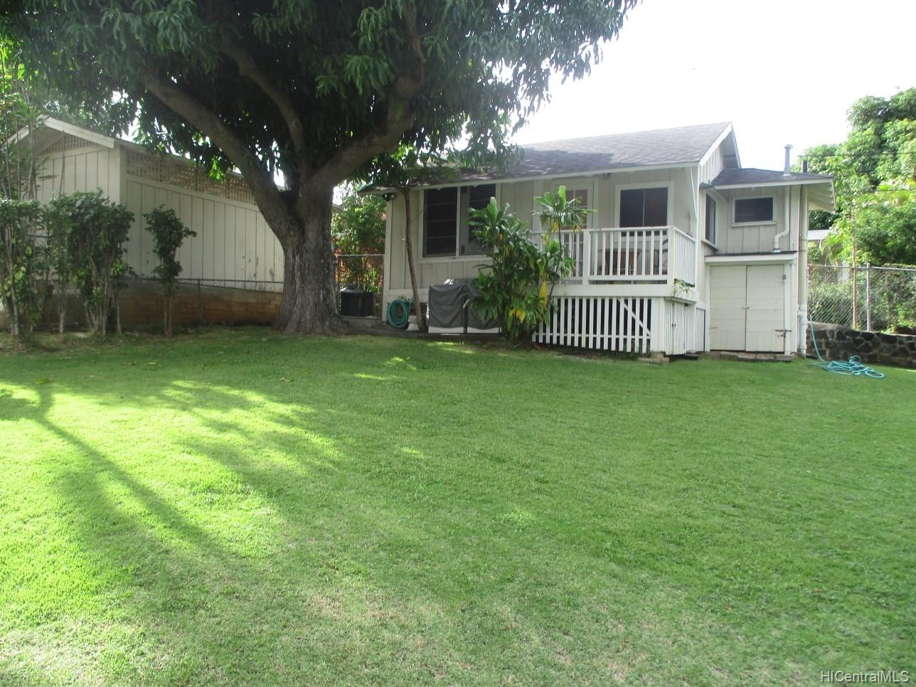 2234  University Ave Manoa Area, Honolulu home - photo 6 of 19