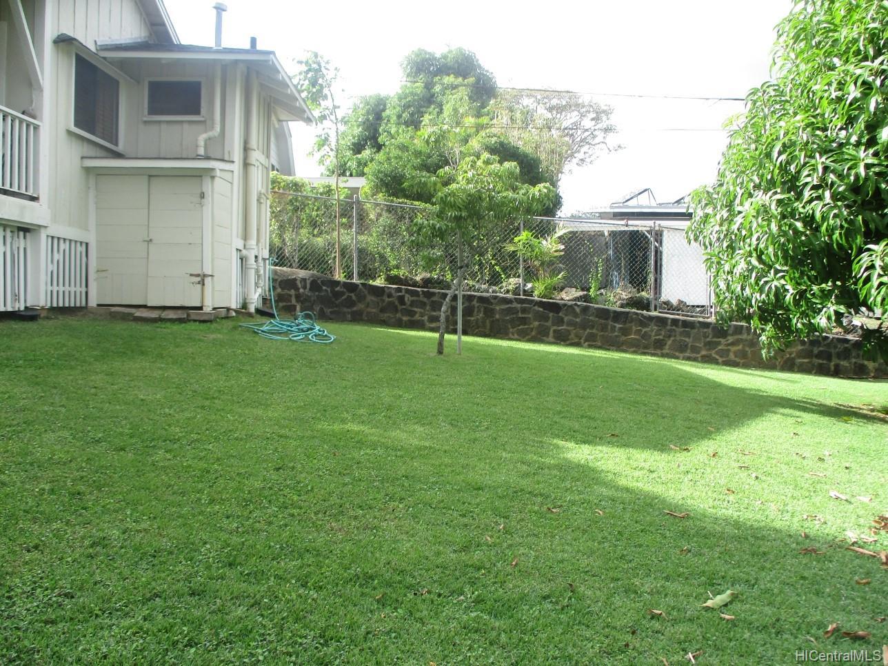 2234  University Ave Manoa Area, Honolulu home - photo 7 of 19