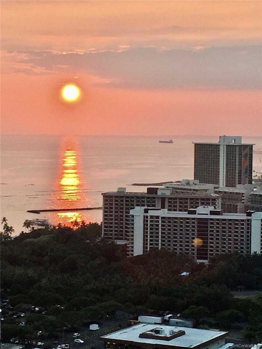 2240 Kuhio Ave Honolulu - Rental - photo 13 of 21