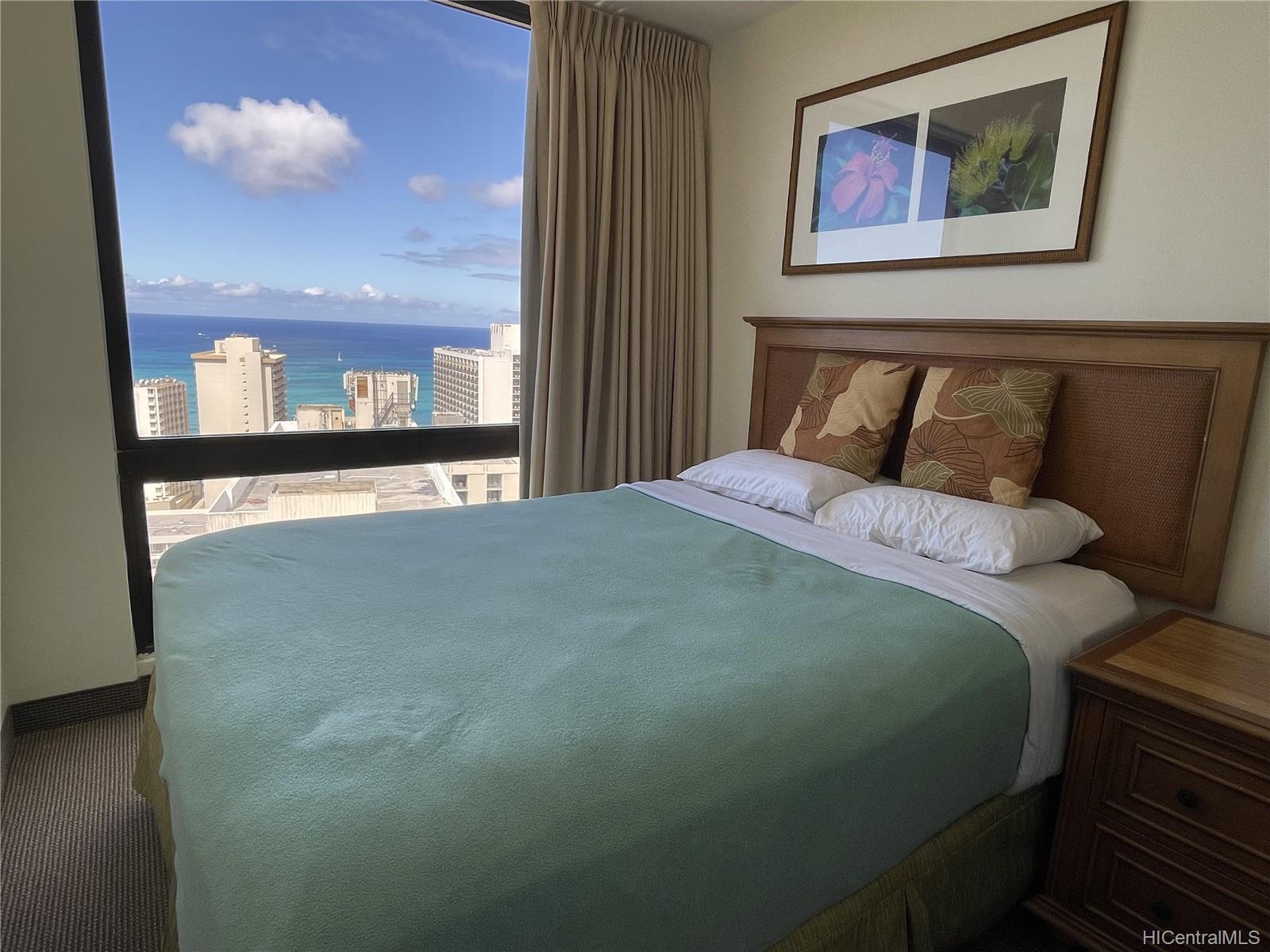 229 Paoakalani Ave Honolulu - Rental - photo 3 of 20