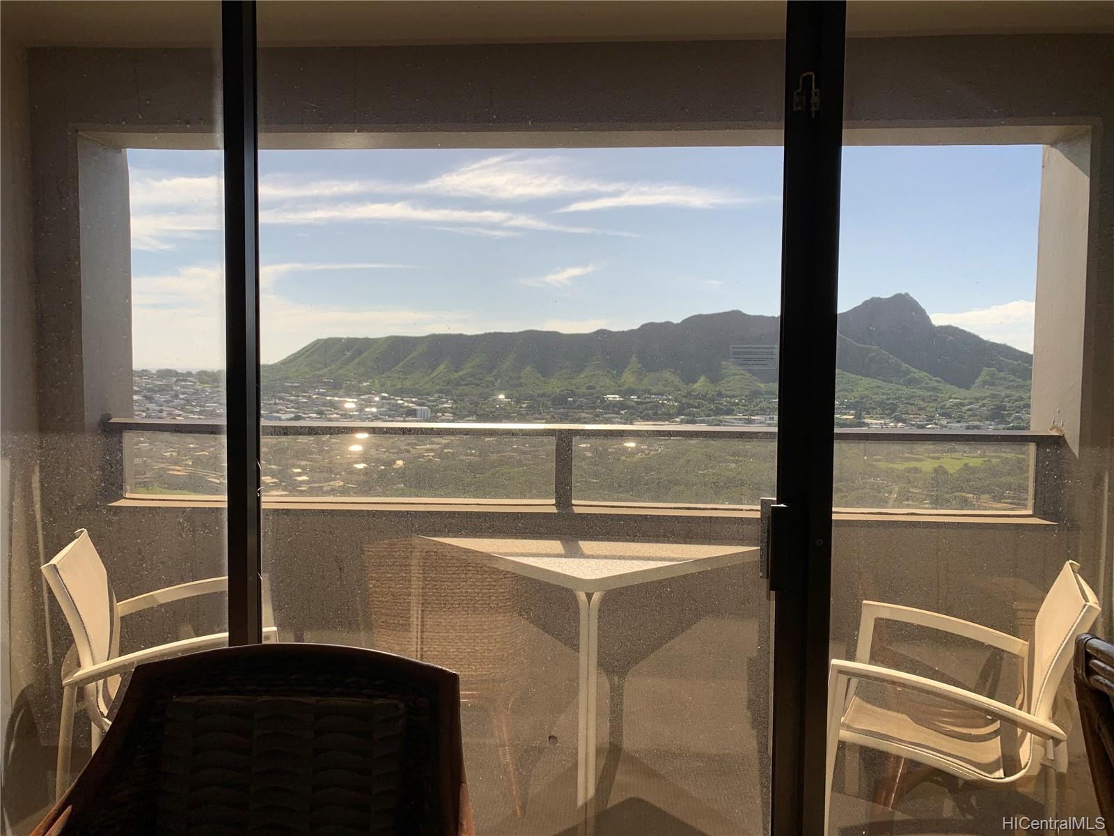229 Paoakalani Ave Honolulu - Rental - photo 6 of 20