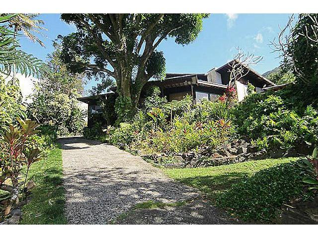23 Kimo Dr Dowsett, Honolulu home - photo 1 of 20